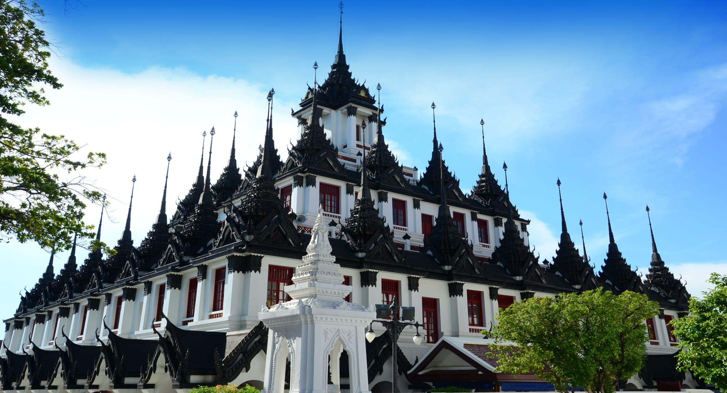 Bangkok - Wat Ratchanatdaharam, Monastery or Castle