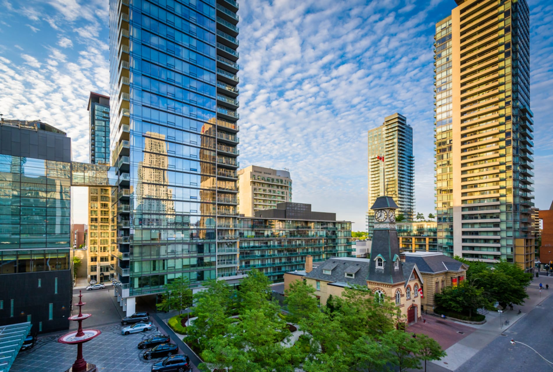 Greater Toronto Area - Discover Yorkville-Bloor: A Heritage Neighbourhood Re-Fashioned for the 21st Century