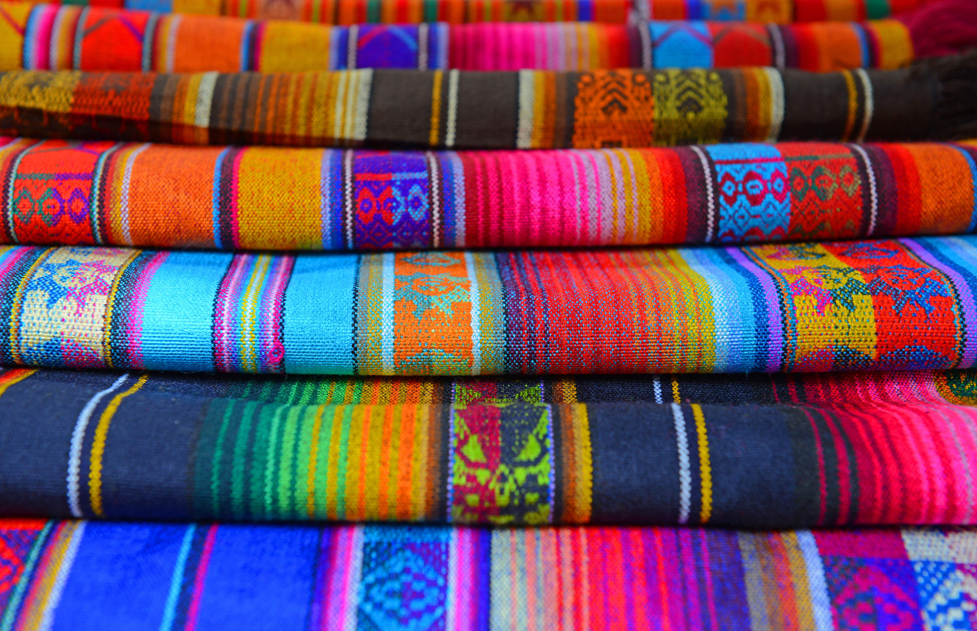 Otavalo - Demonstration of Handmade Textiles by the Indigenous Nationality of Otavalo
