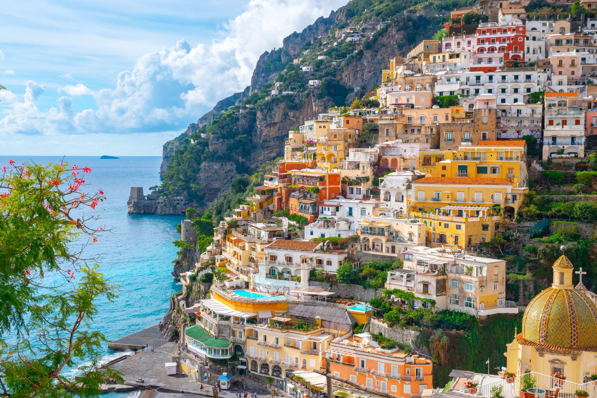 Amalfi Coast - Morning relaxing walk in Positano