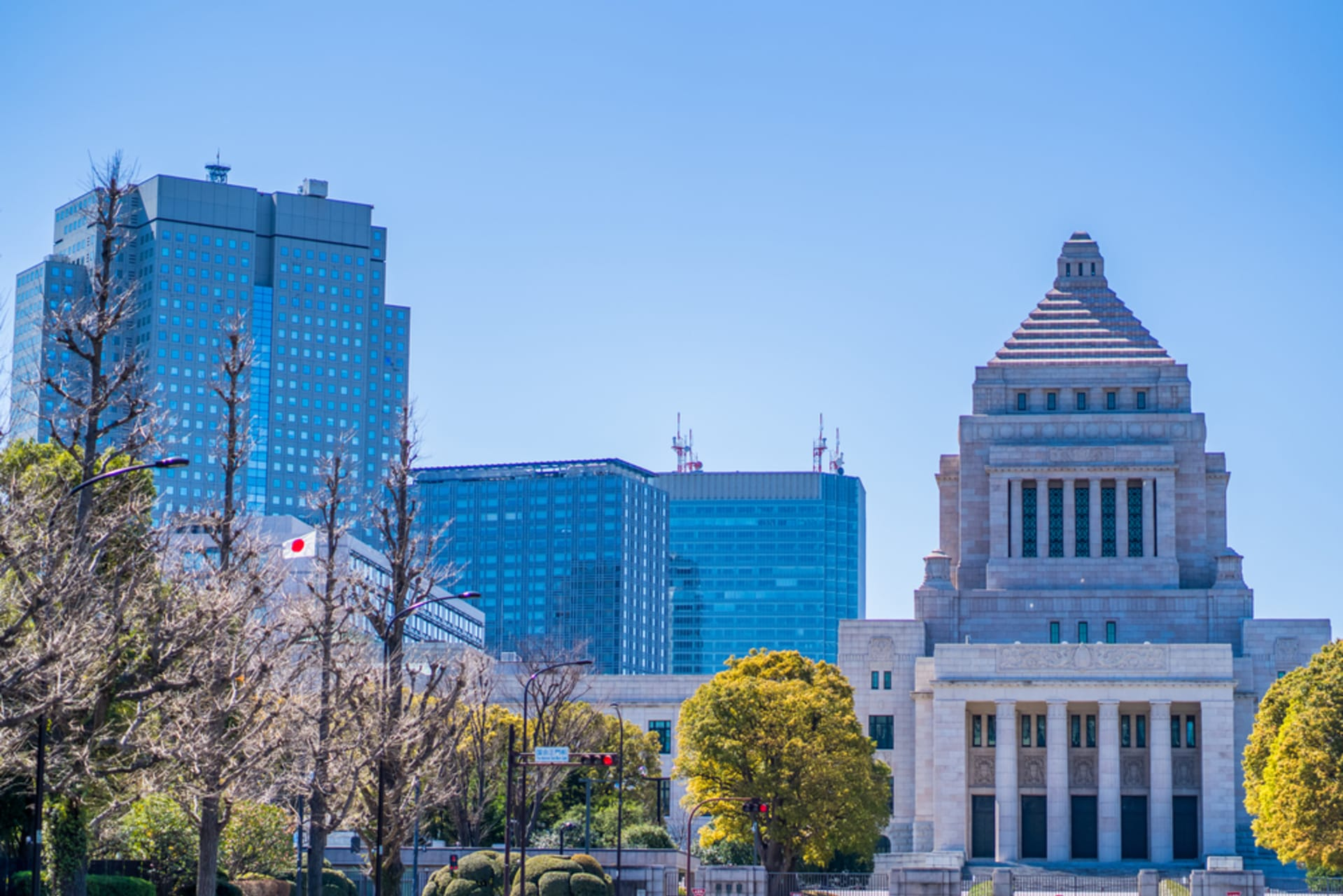 Tokyo - Central Tokyo Walk - Administrative and Business Districts
