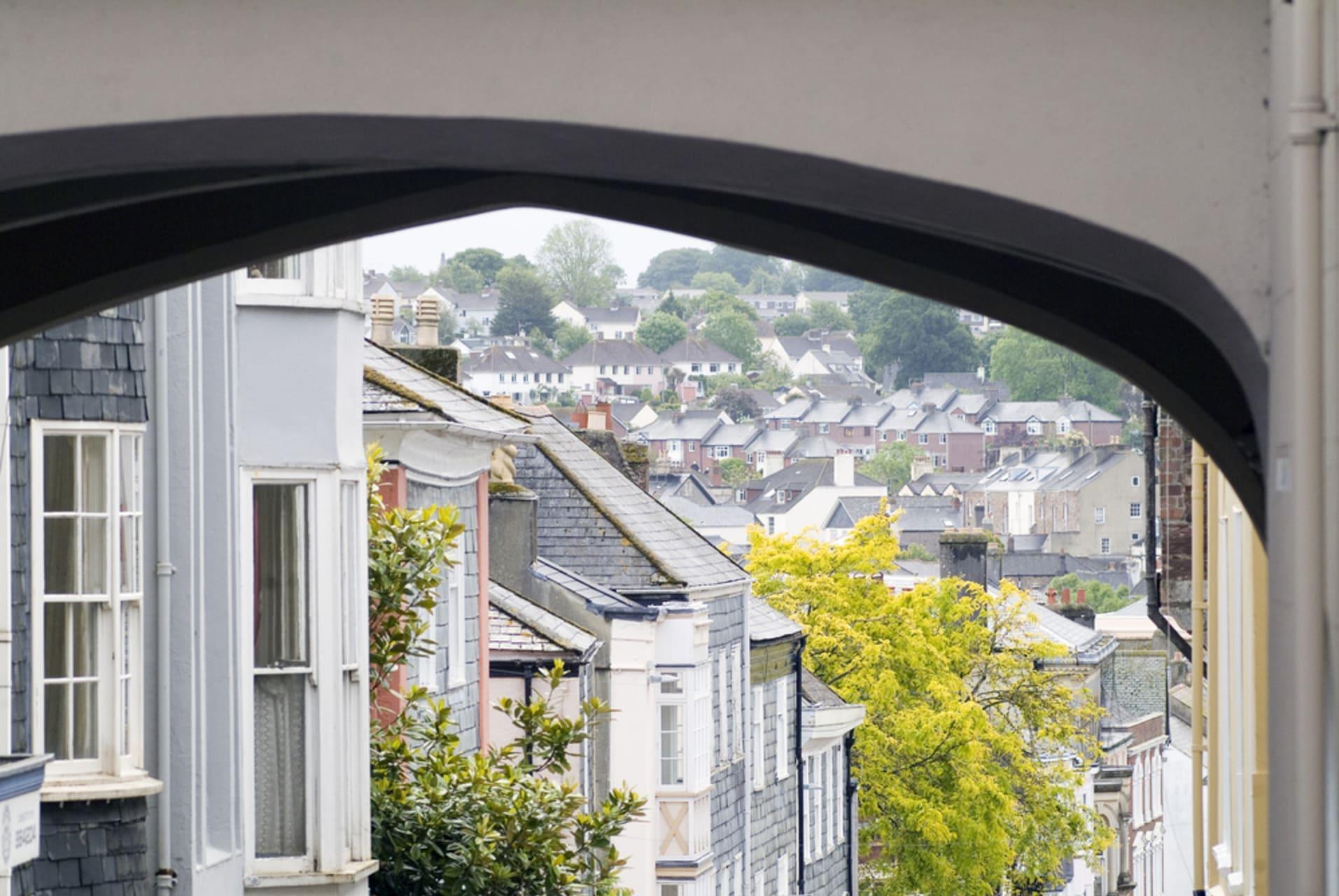 Devon - Totnes: Twinned with Narnia