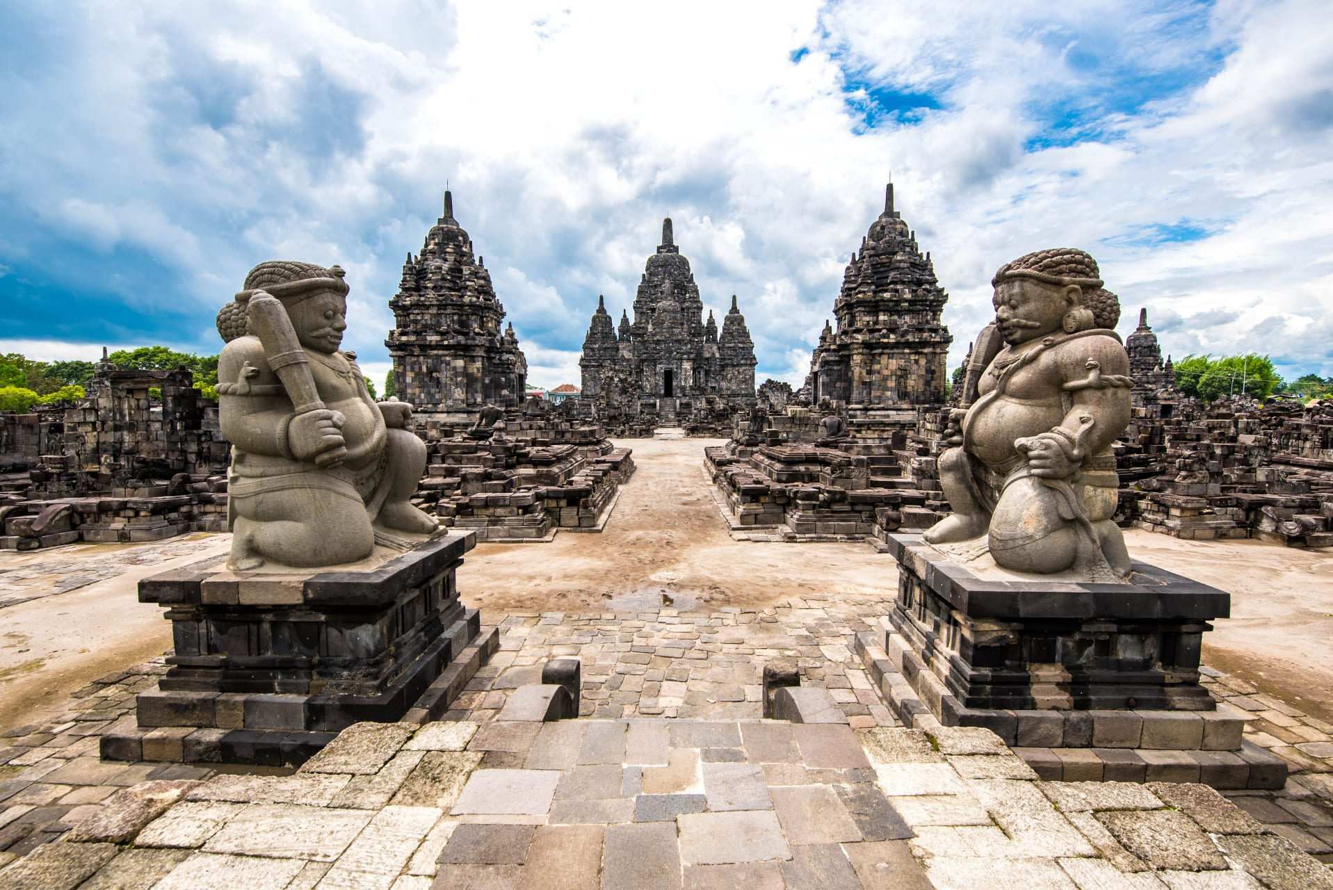"""Yogyakarta - Sewu Temple, """"A Thousand"""" Temple Built in the 8th Century"""