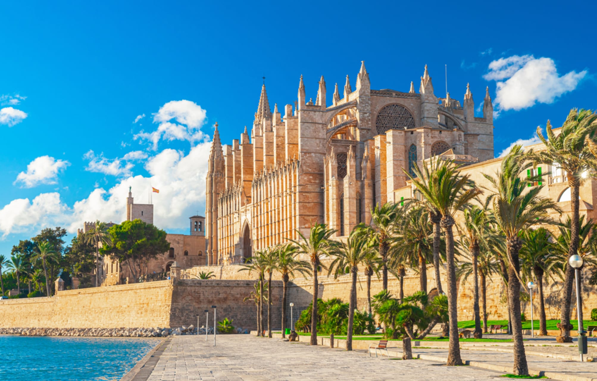 Mallorca - Must-See Palma: the Cathedral and Almudaina