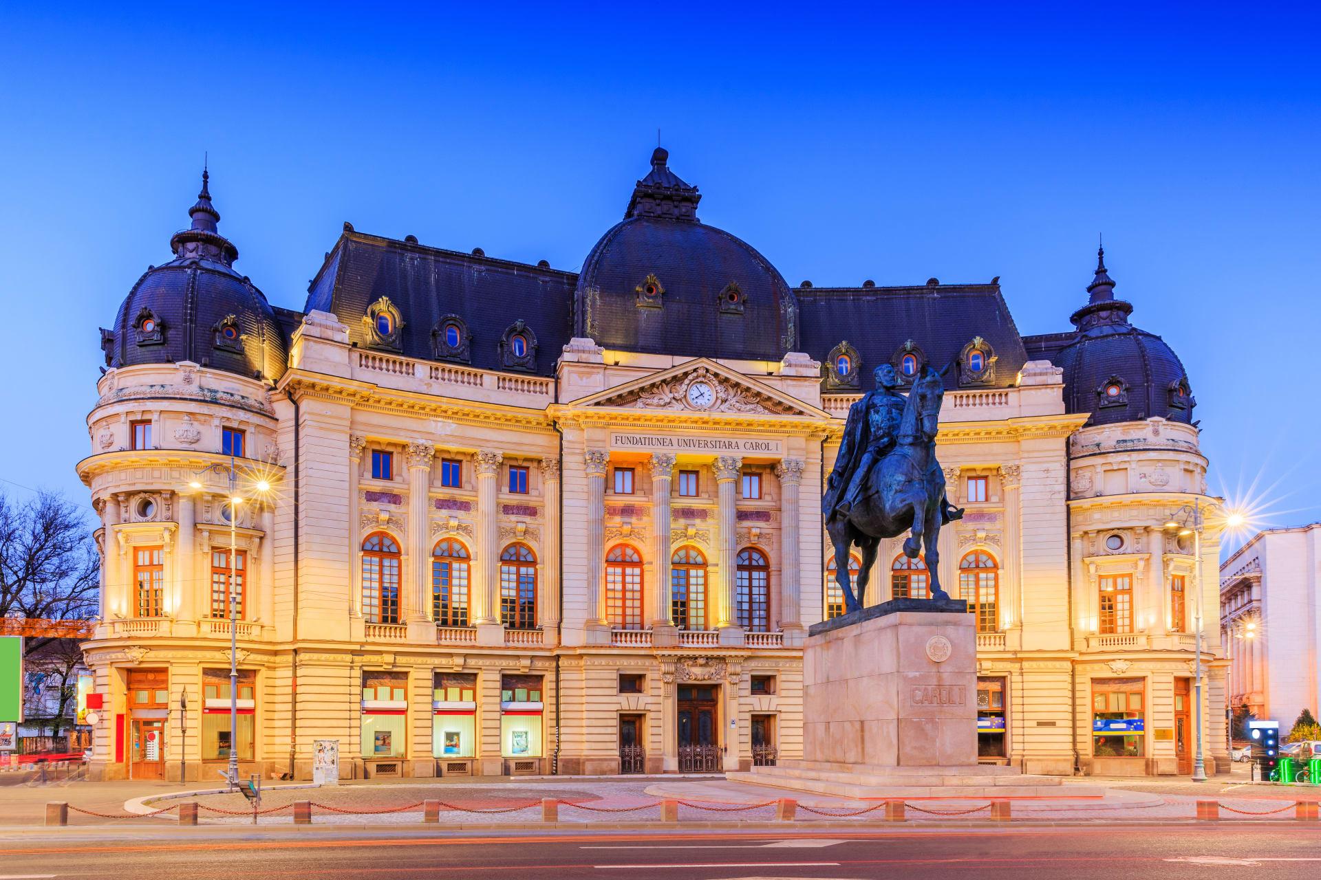 Bucharest - Bucharest, the little Paris, by night