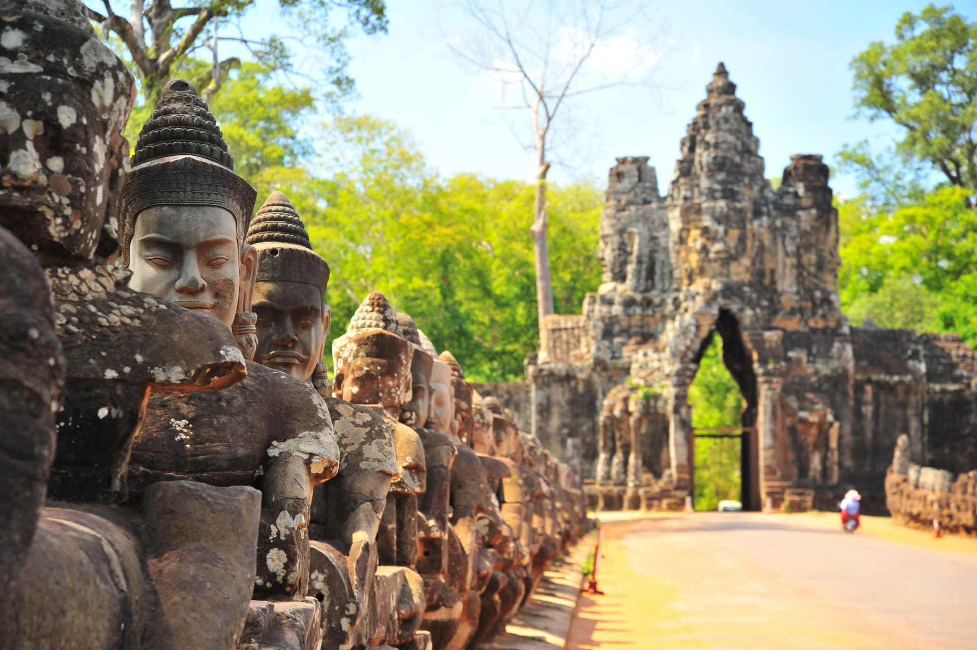 Siem Reap - Discover the Bayon Temple and Angkor Thom City