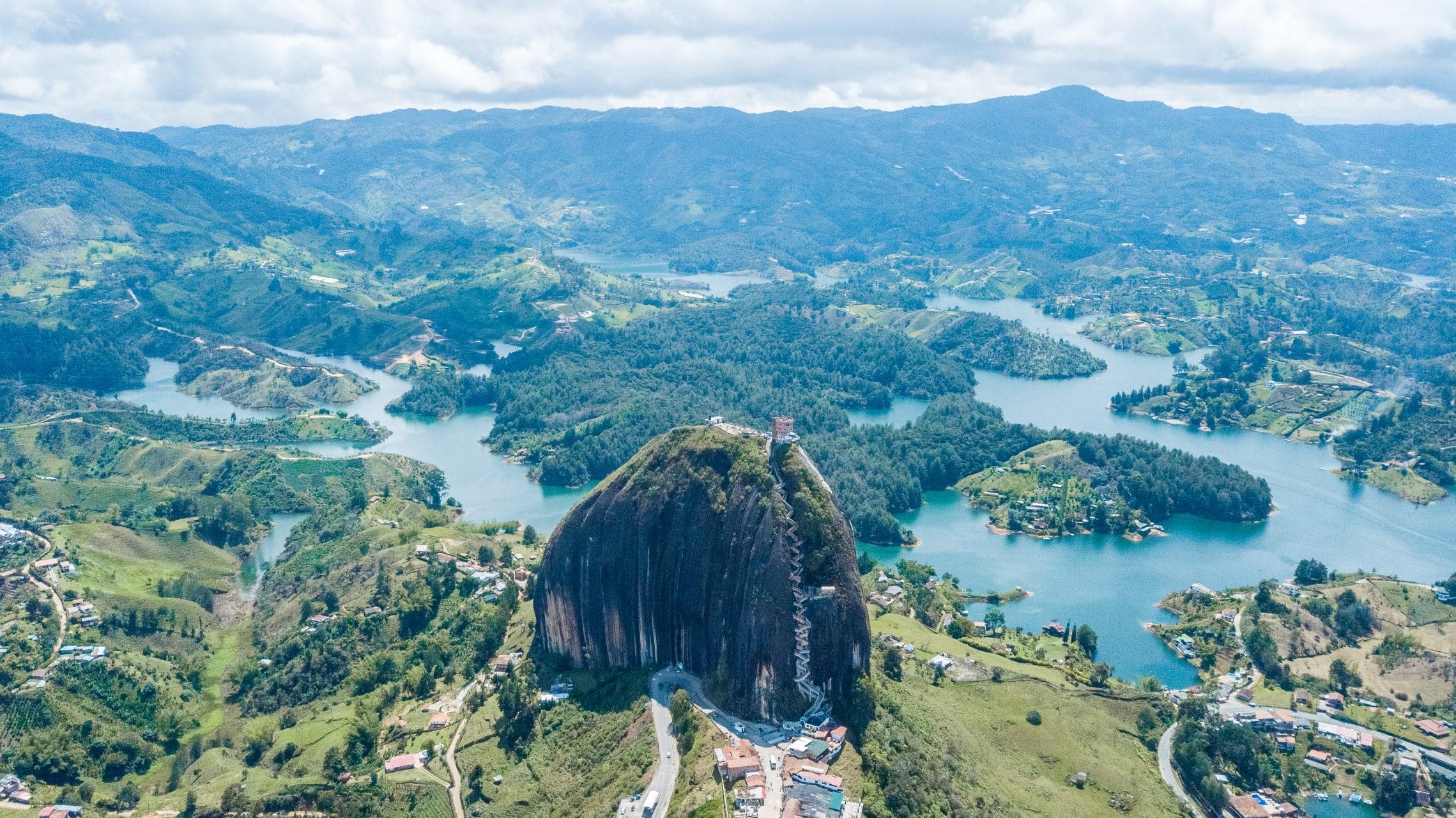 Guatapé - Stunning Views of Colombia's Highest Rock: Guatapé