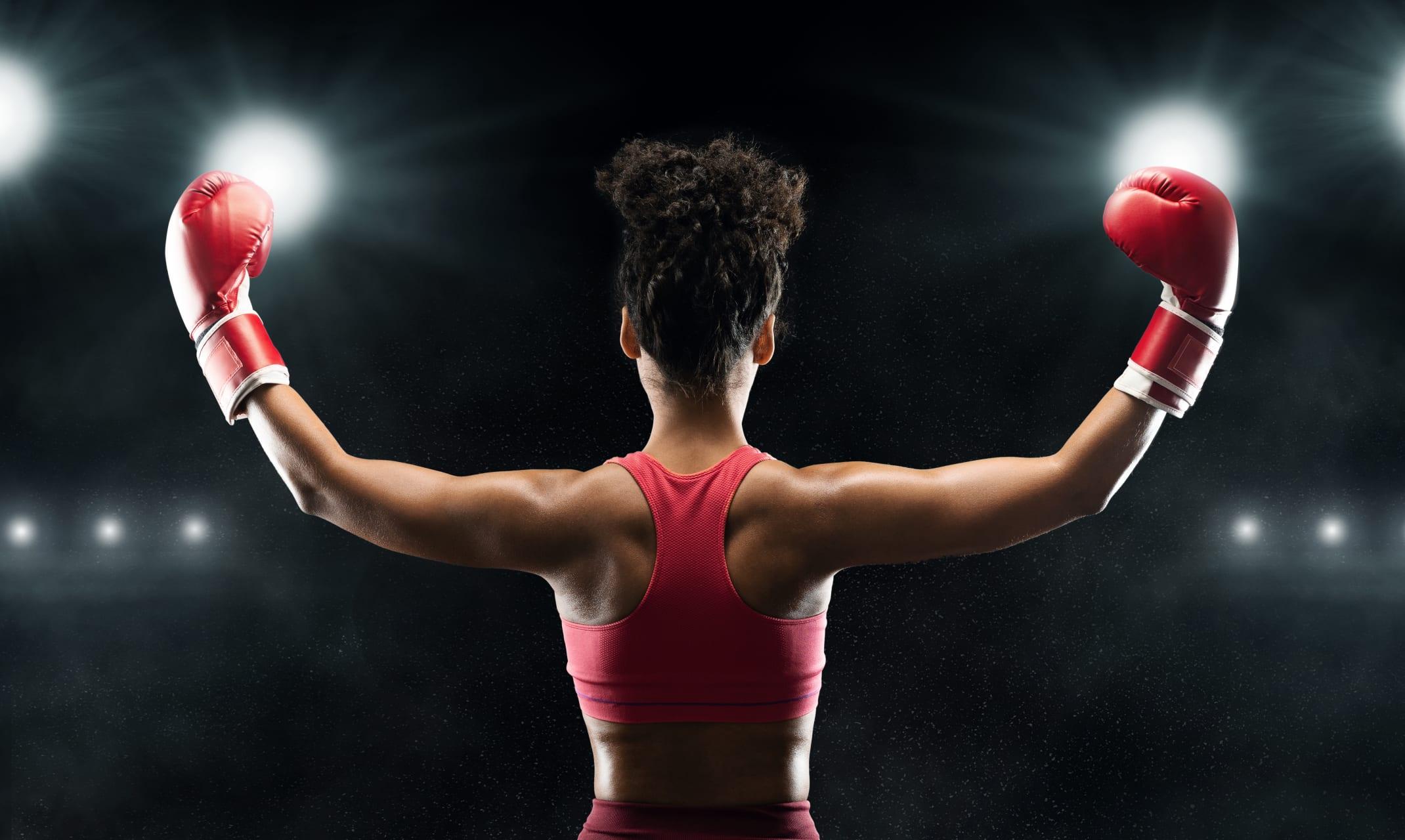 Accra - Women Boxing in Ghana (Jamestown)