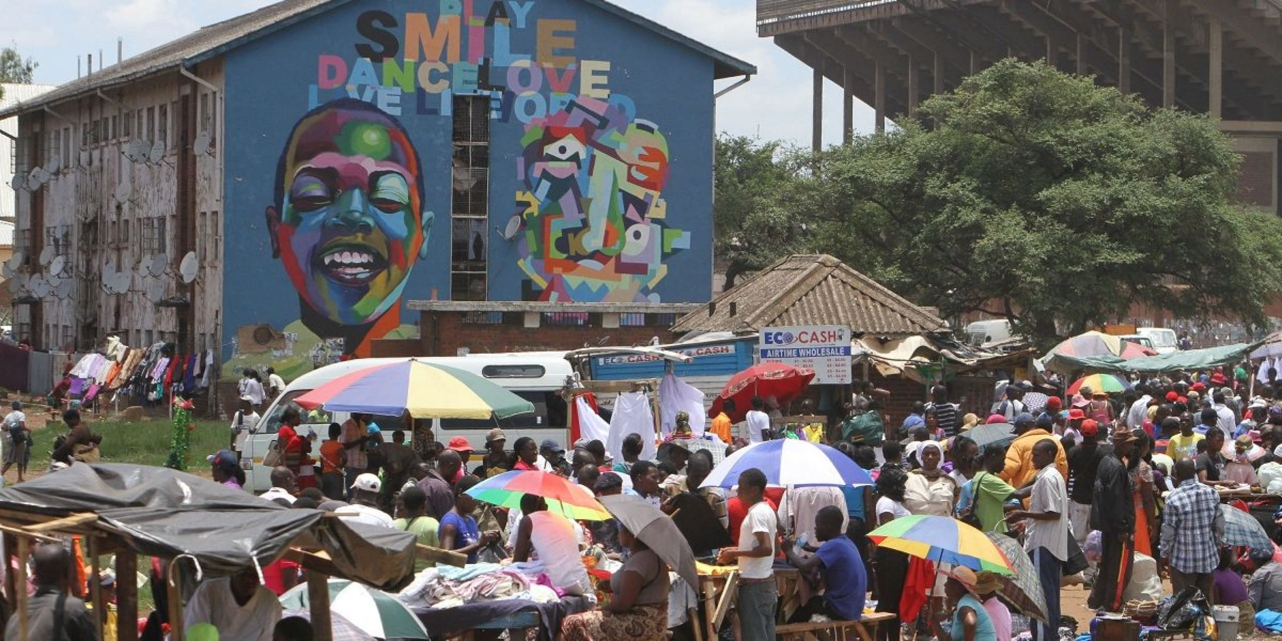 Harare - An authentic outdoor Zimbabwean Market rich in  cultural diversity