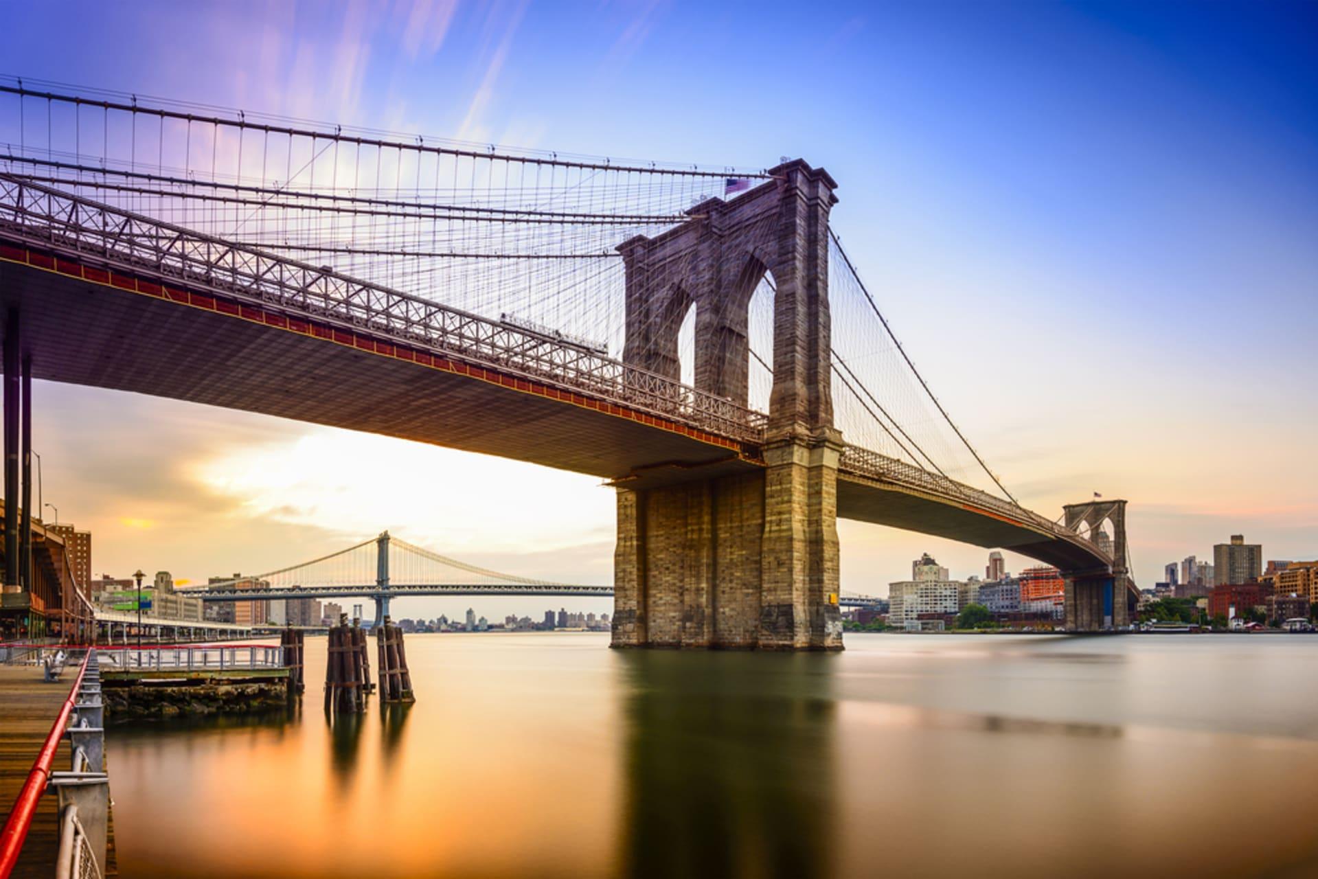 New York - Walk Across the Brooklyn Bridge
