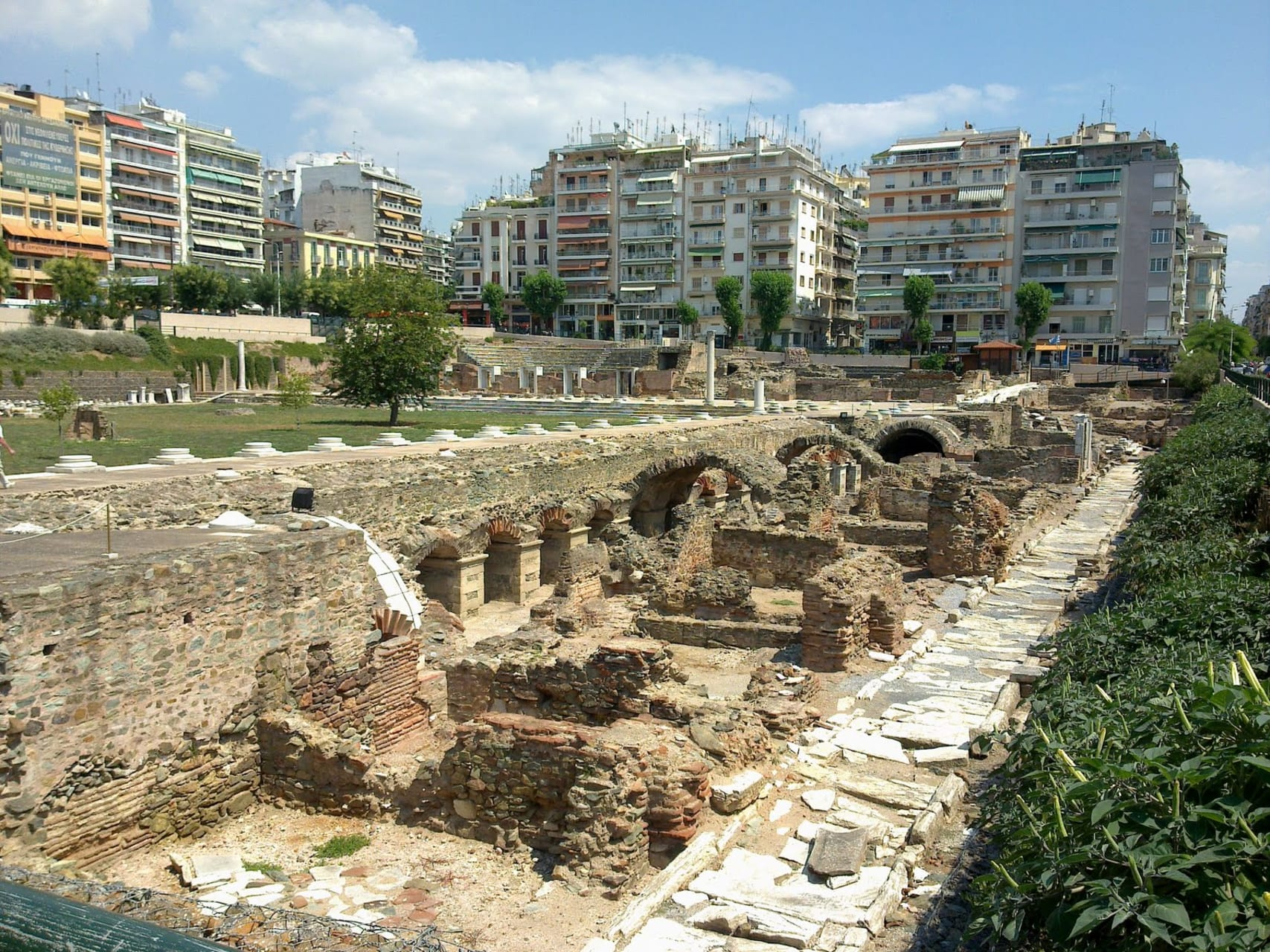 Thessaloniki - Discovering the markets of Thessaloniki from the ancient times to nowadays.