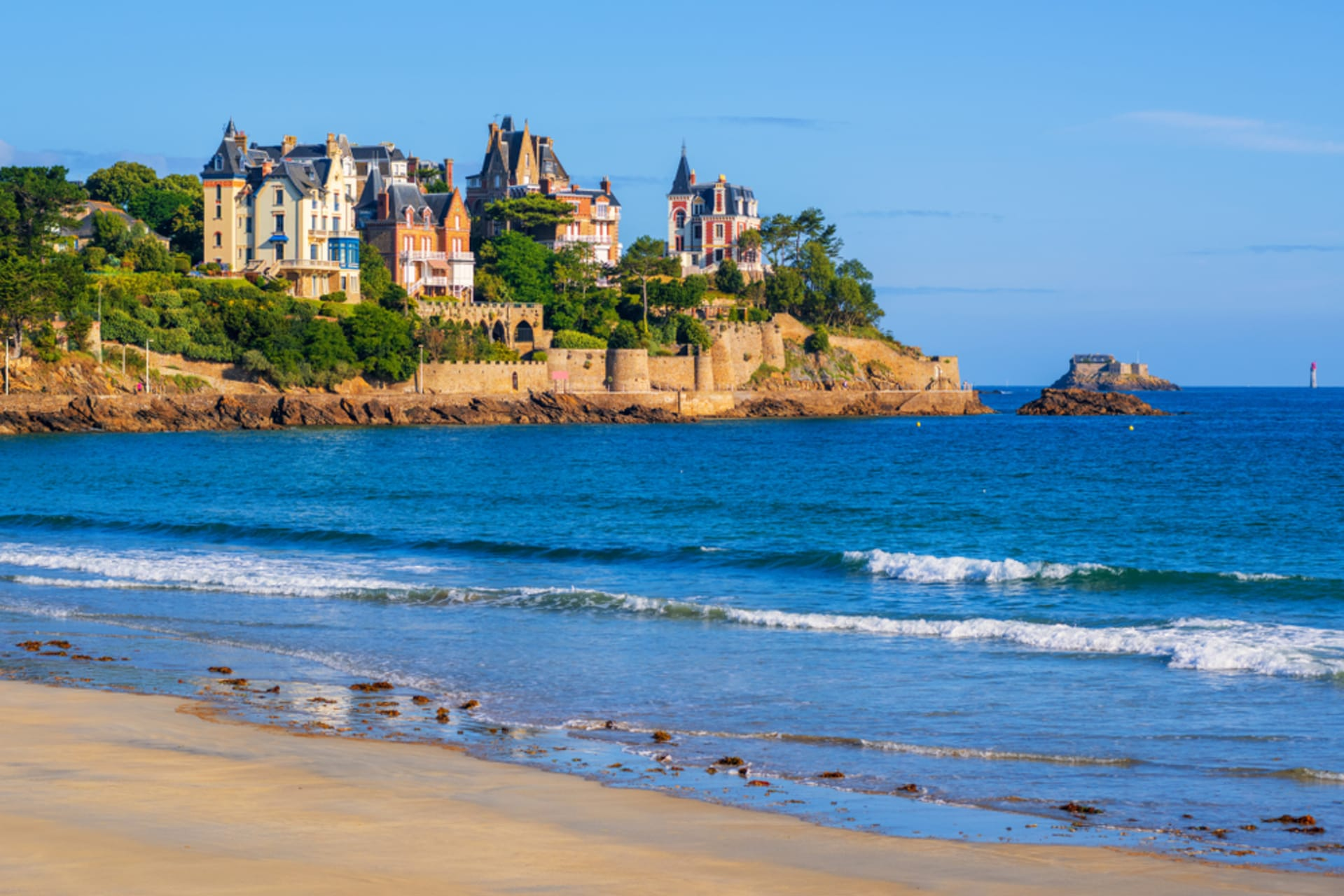 Brittany North - DINARD and the boat-bus to cross the channel