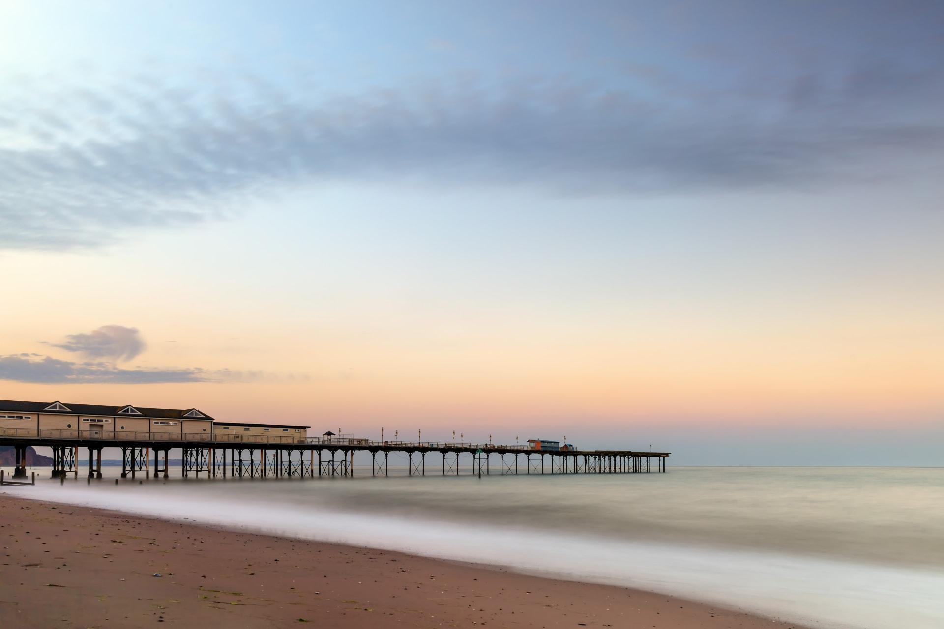 Devon - Teignmouth: eco-art seaside town with red sand beach (Silent Tour)