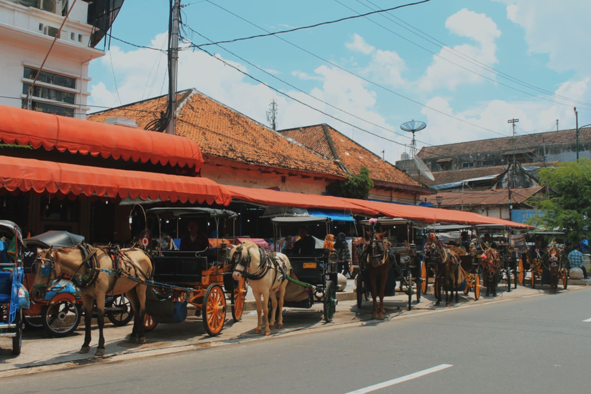 Yogyakarta - Explore the Central Market of Malioboro Street