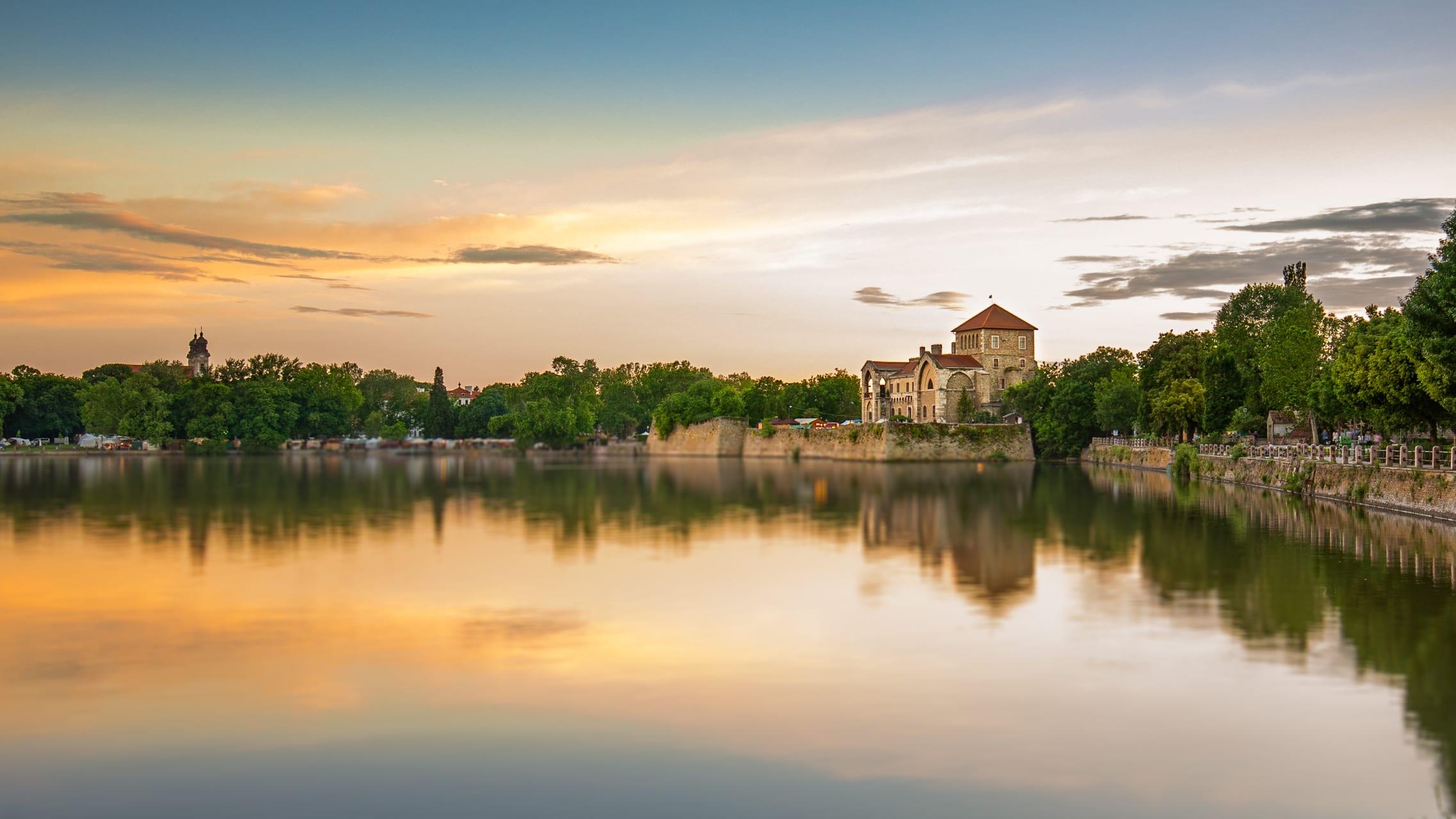 Tata - Hungarian Countryside Tours Series: Tata, the City of Waters