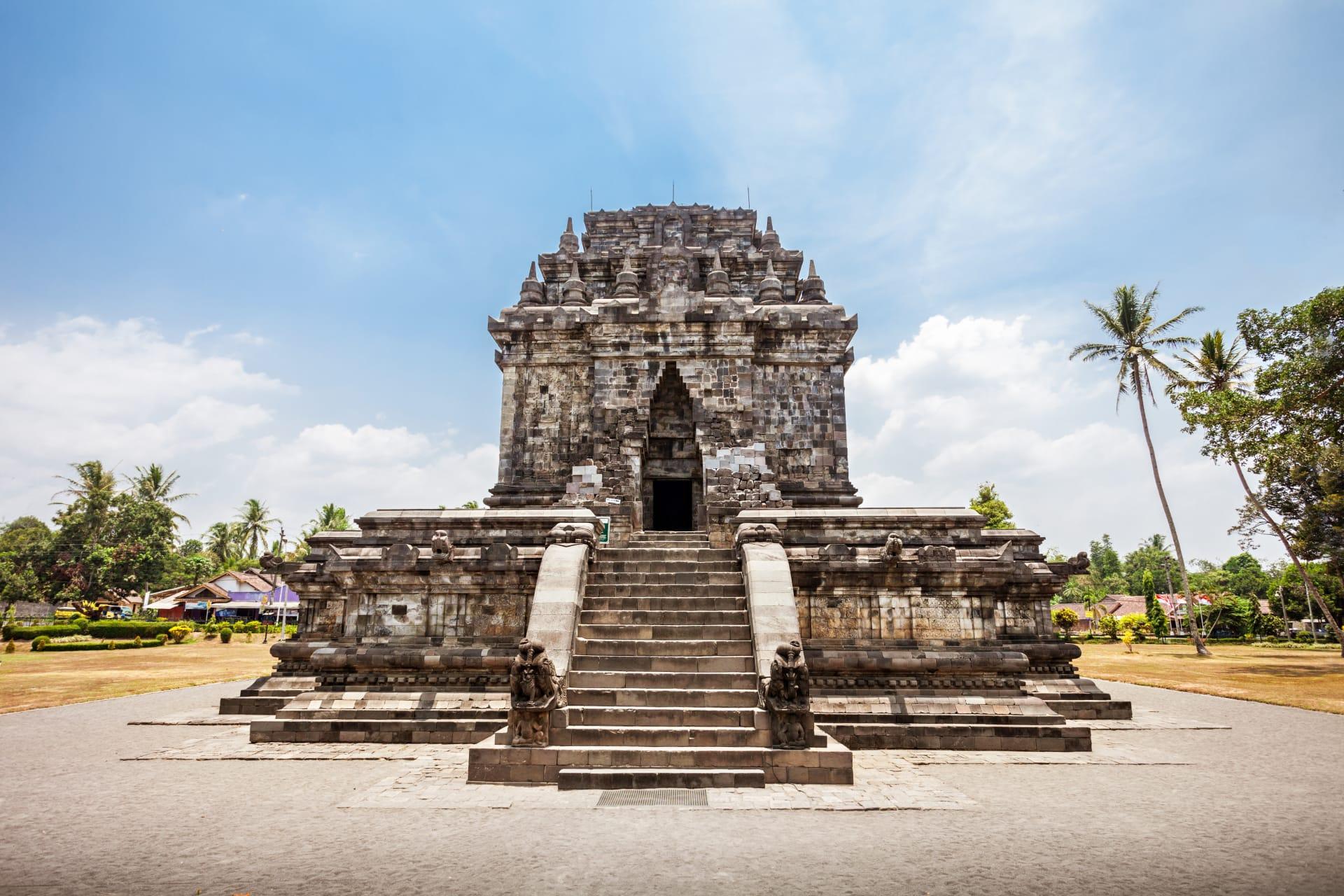 Yogyakarta - Mendut & Pawon Temples: The First Stage of Pilgrimage to Borobudur Temple