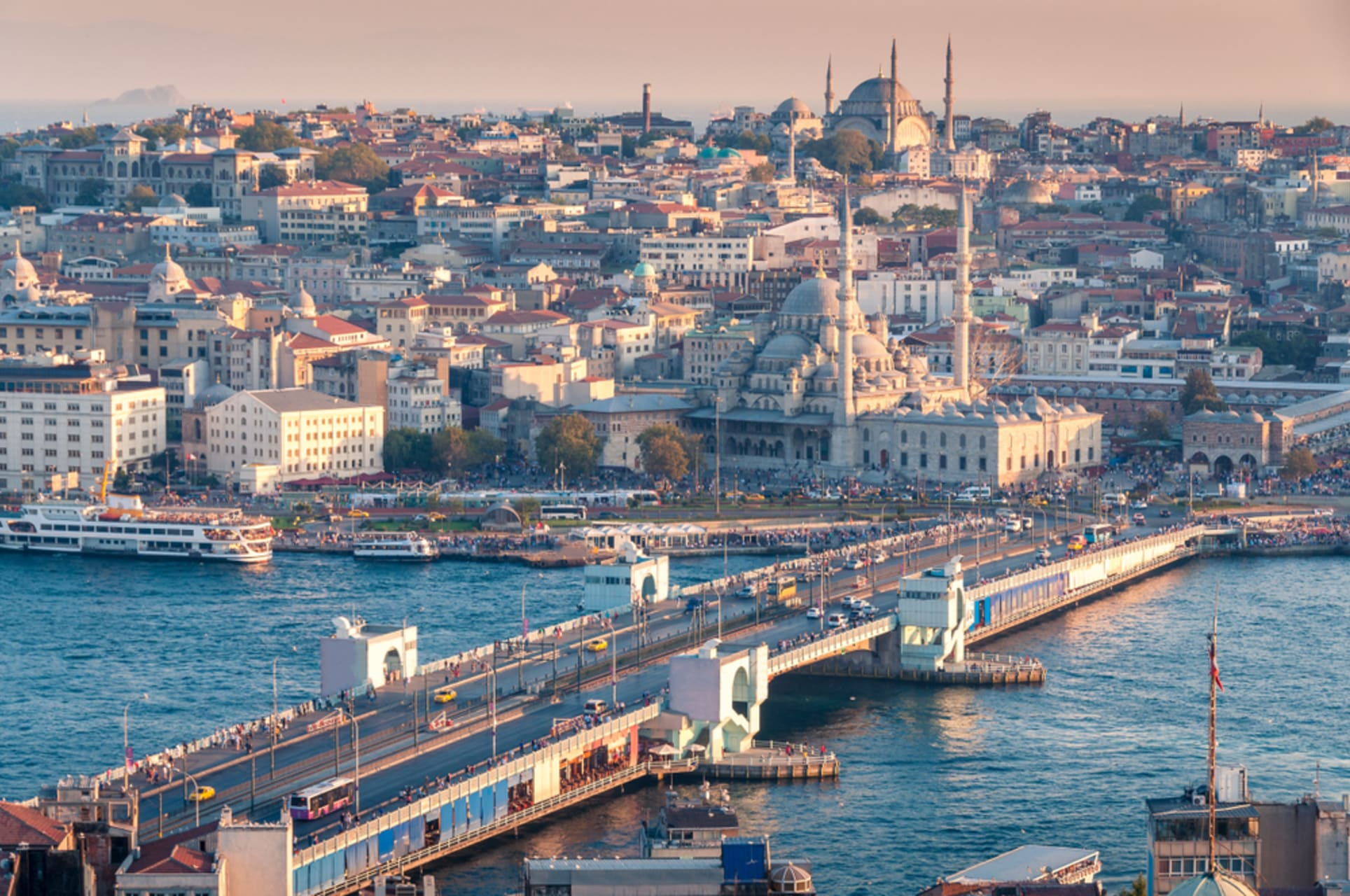 Istanbul - Walking in Europe and overlooking at Asian Continent