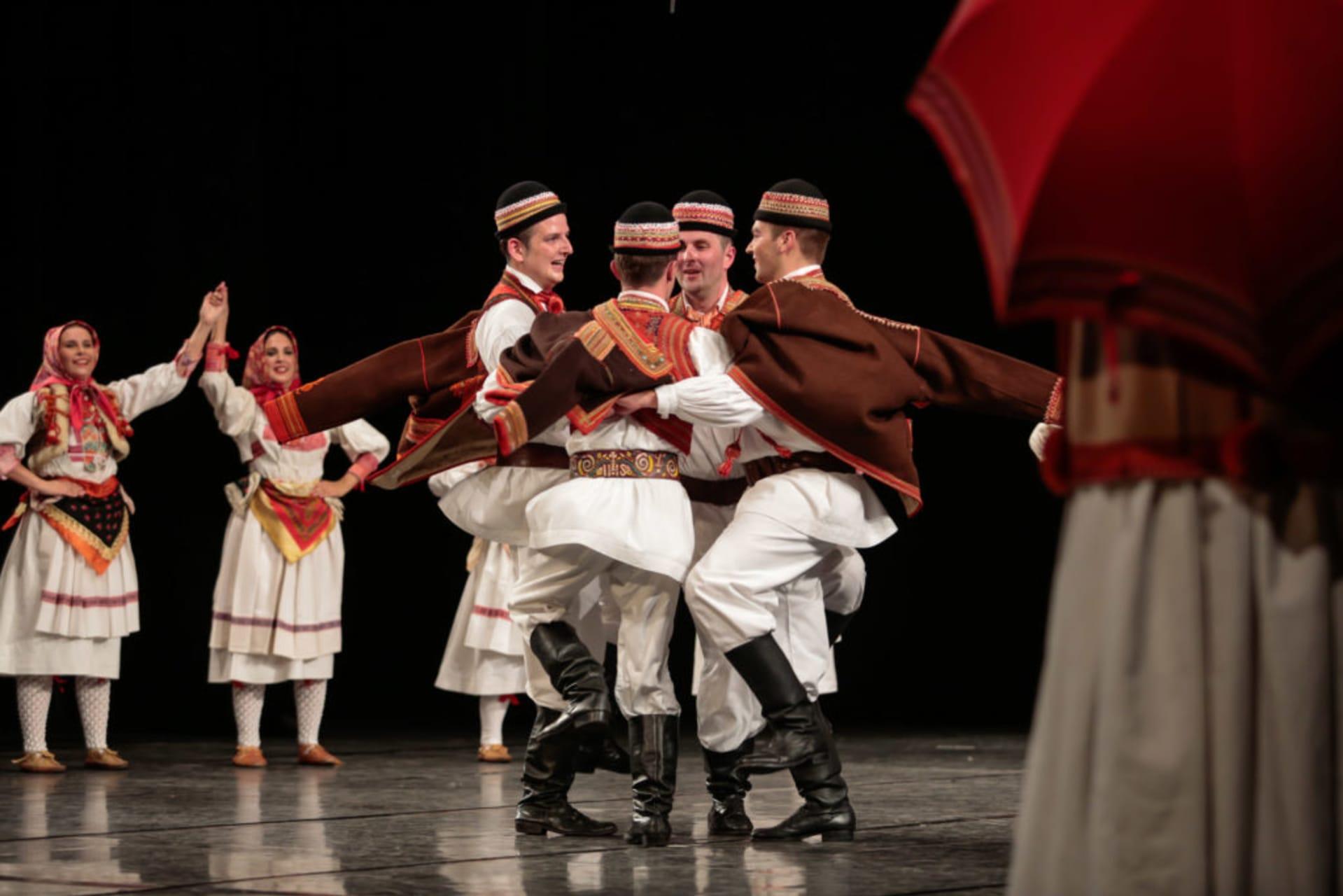Korcula - Croatian Rawers & Croatian Folklore Wohoooooo!