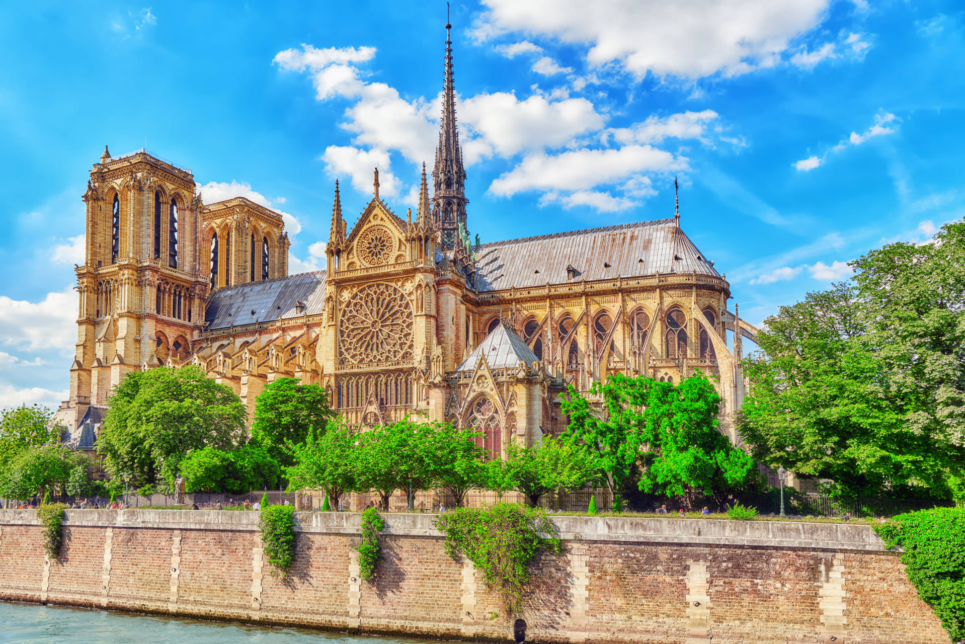 Paris - Over the Water: On the river Seine (Left Bank + Notre Dame)