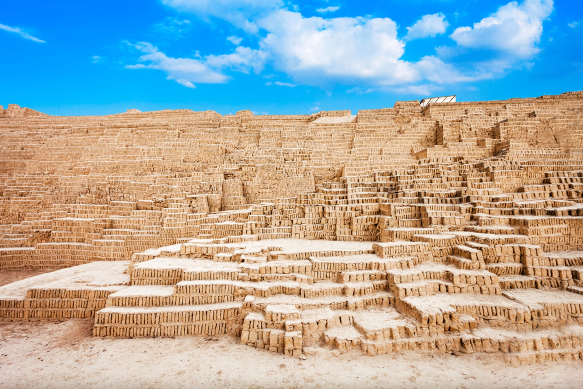 Lima - Pre-hispanic Lima: pre-Incan archaeological sites in the modern capital of Peru