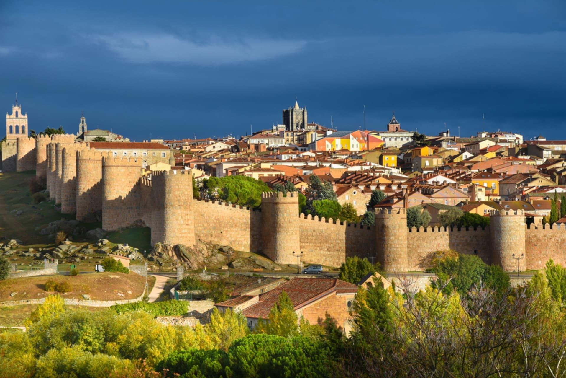 Ávila - Ávila, the historic ancient town of Saint Teresa of Ávila and the unique wall - Part I