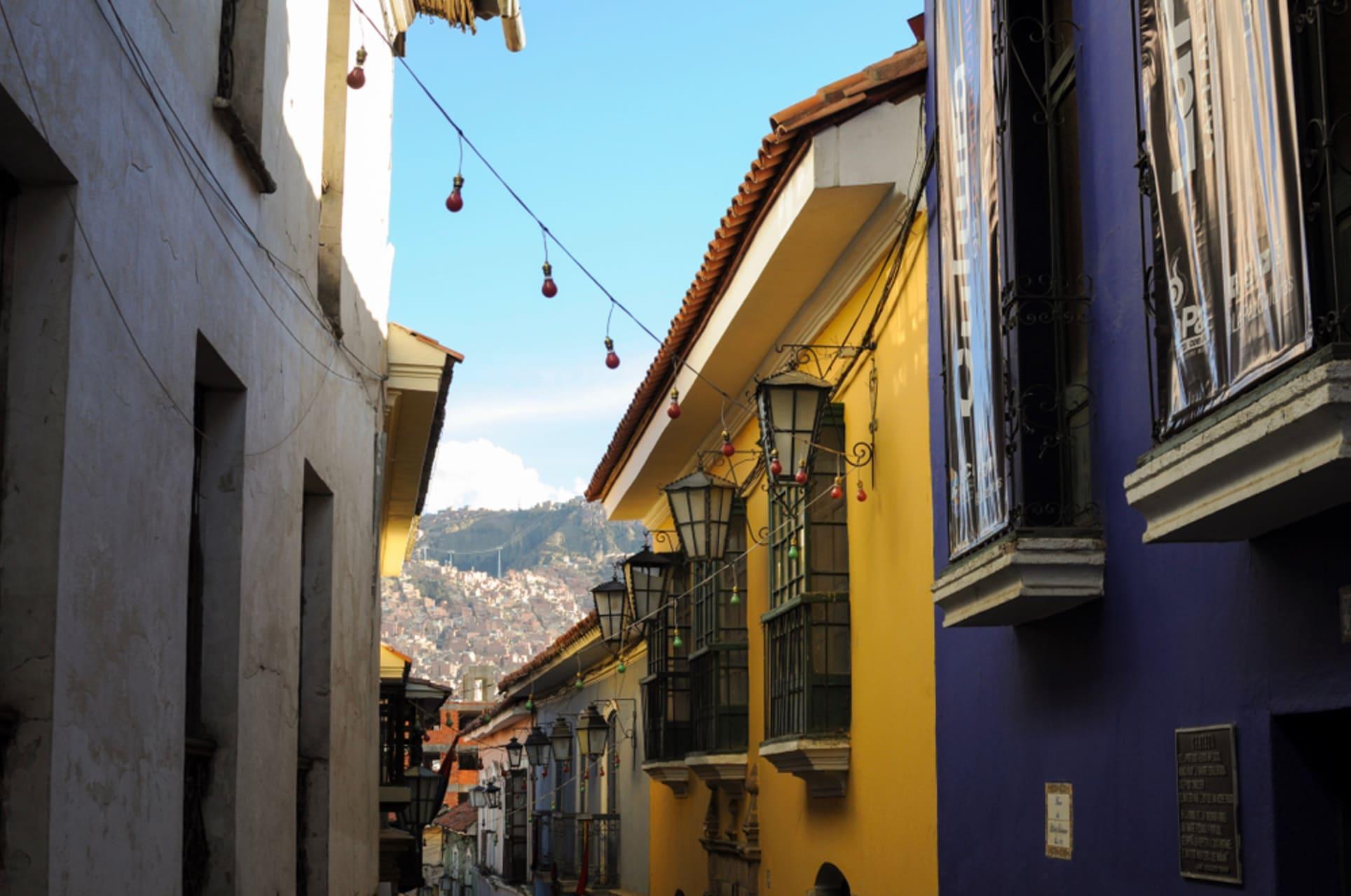 La Paz - Jaen: most colonial street