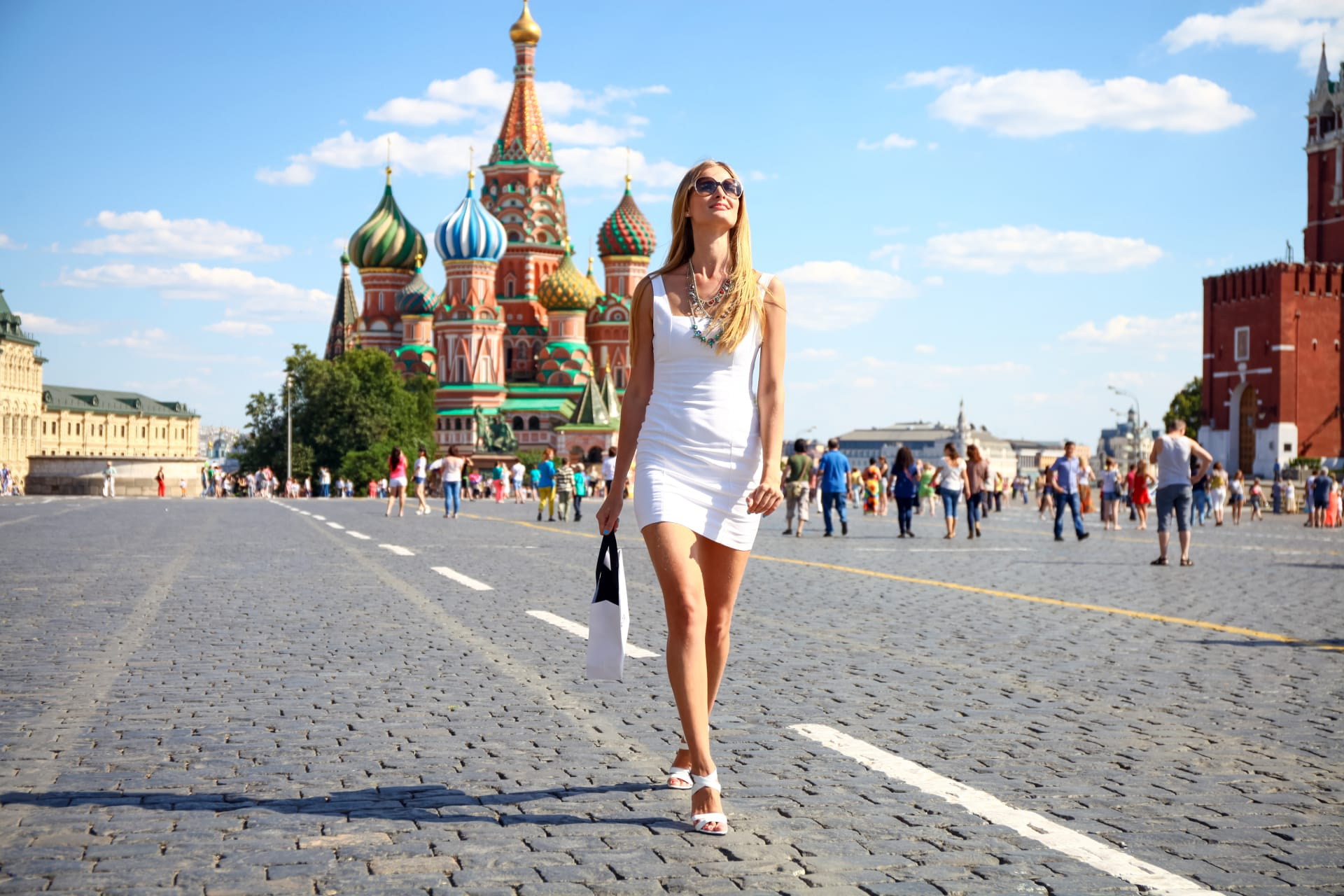 Moscow - Who is Russia series: Russian women