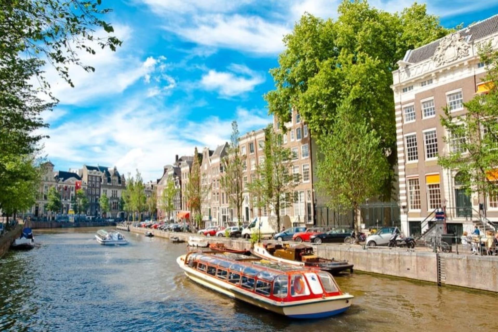 Amsterdam - Famous Canal Belt Boat Tour