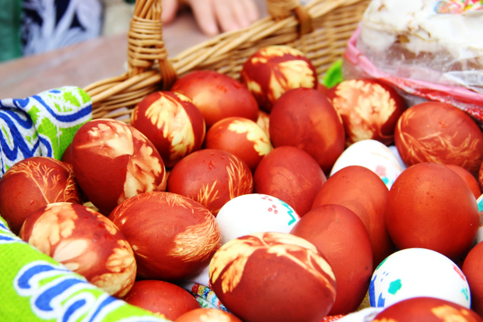 Moscow - Orthodox Easter Special: Egg Colouring Family Experience