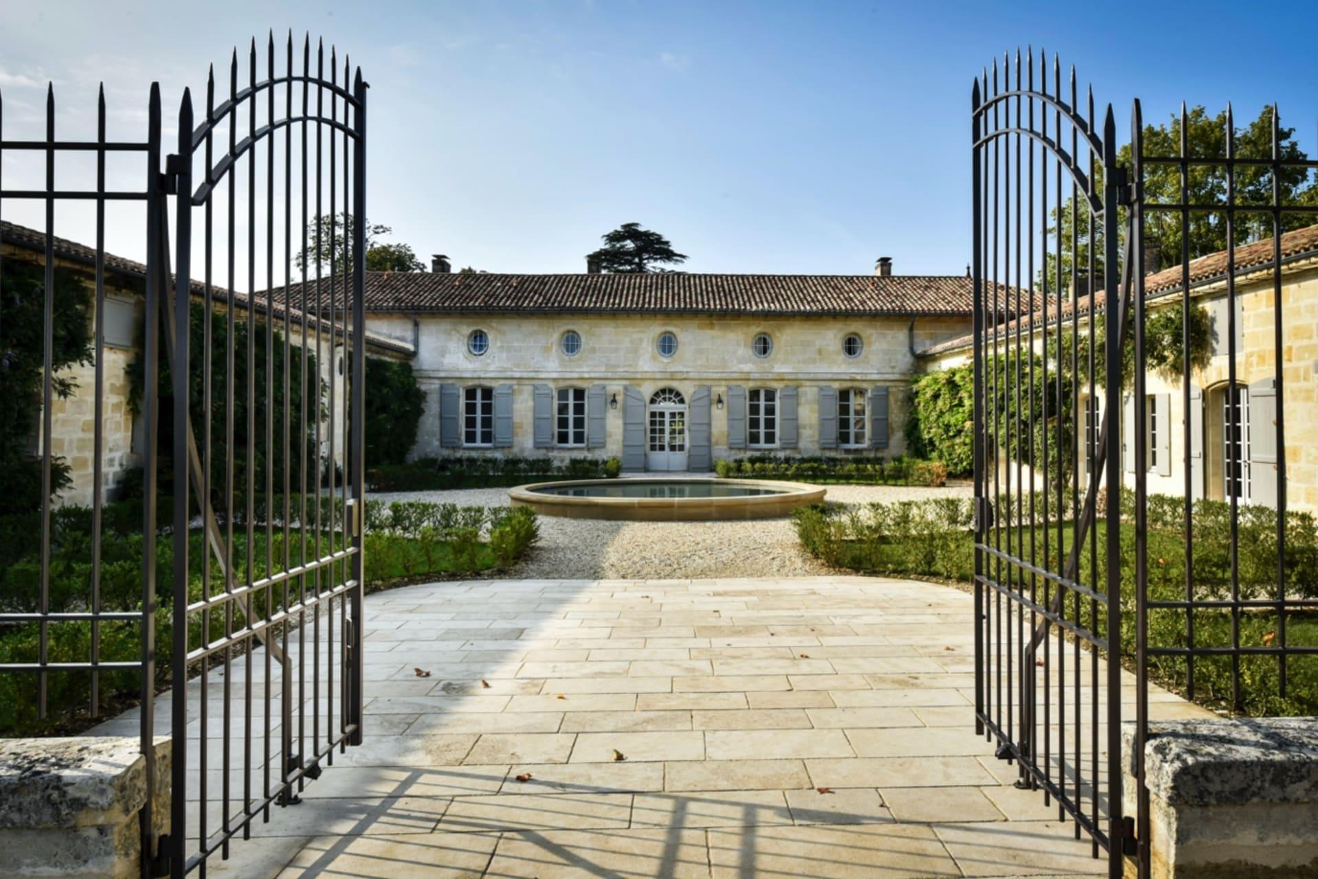 Saint-Émilion - Art de Vivre à la française & Pomerol Wine Tasting - Chateau Beauregard