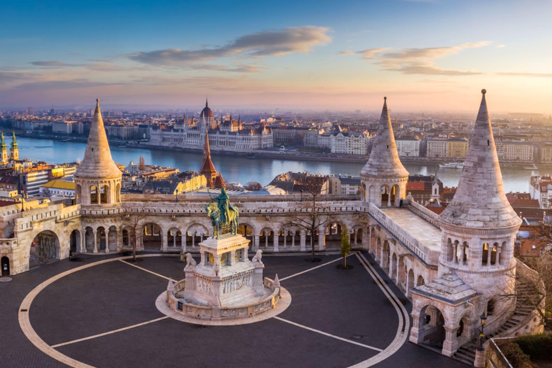 Budapest - Budapest Highlights: The Buda Castle quarter