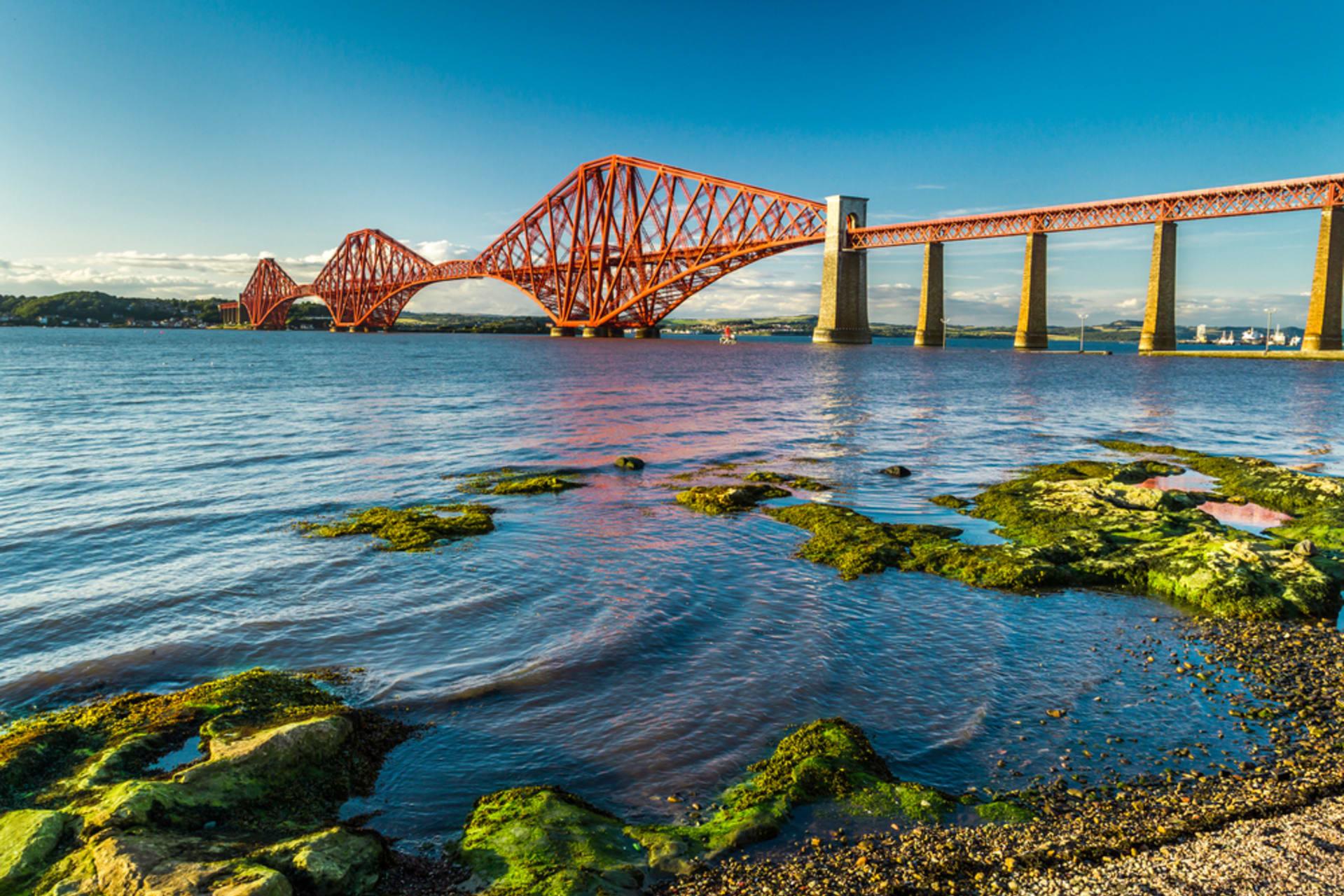 Central Scotland - A stroll across the Forth Bridge