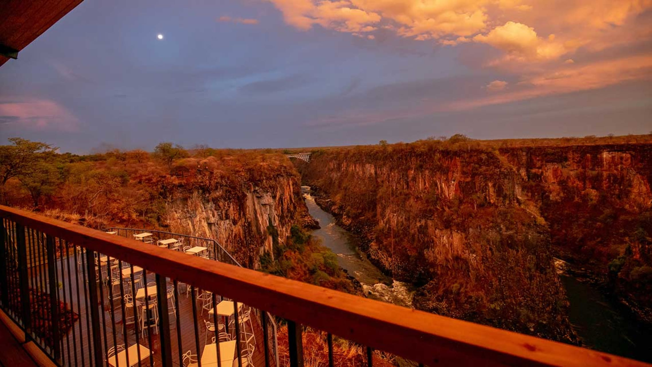 Victoria Falls - Amazing gorge view from the Lookout Cafe