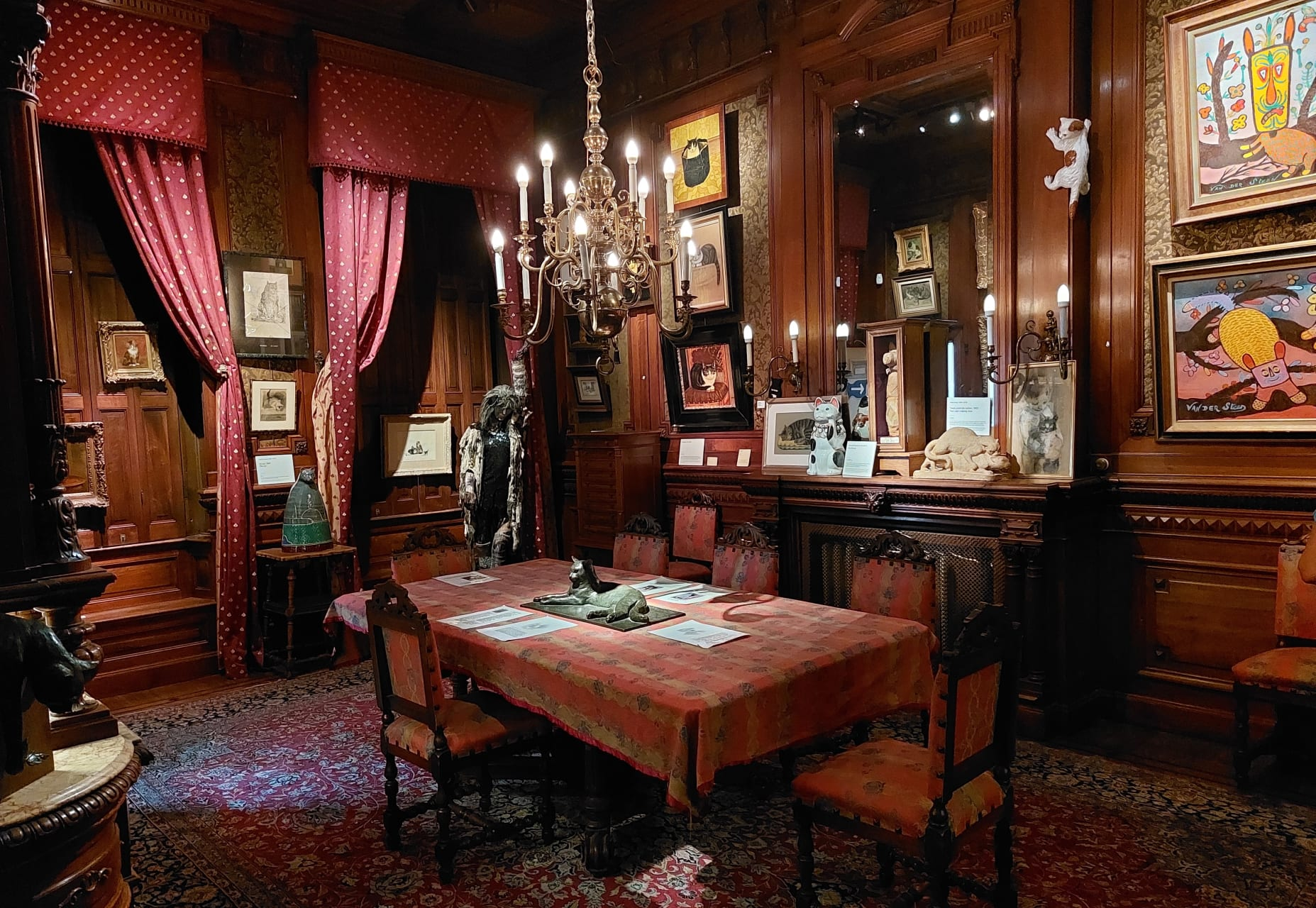 Amsterdam - The Cat Cabinet - The World's Most Beautiful Cat Museum