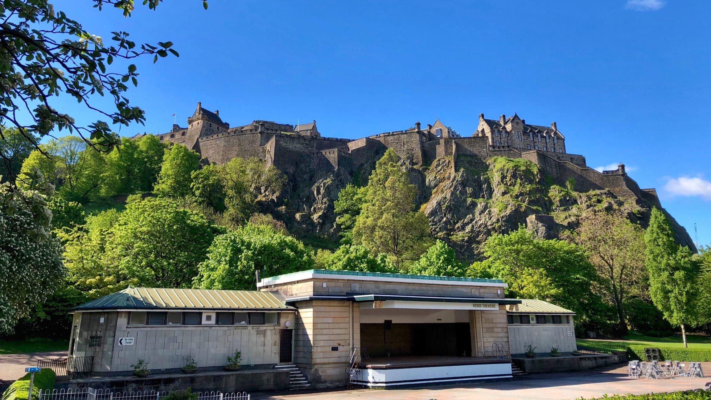 Edinburgh - Edinburgh a Tale of two Towns: Medieval Old Town to Georgian New Town.