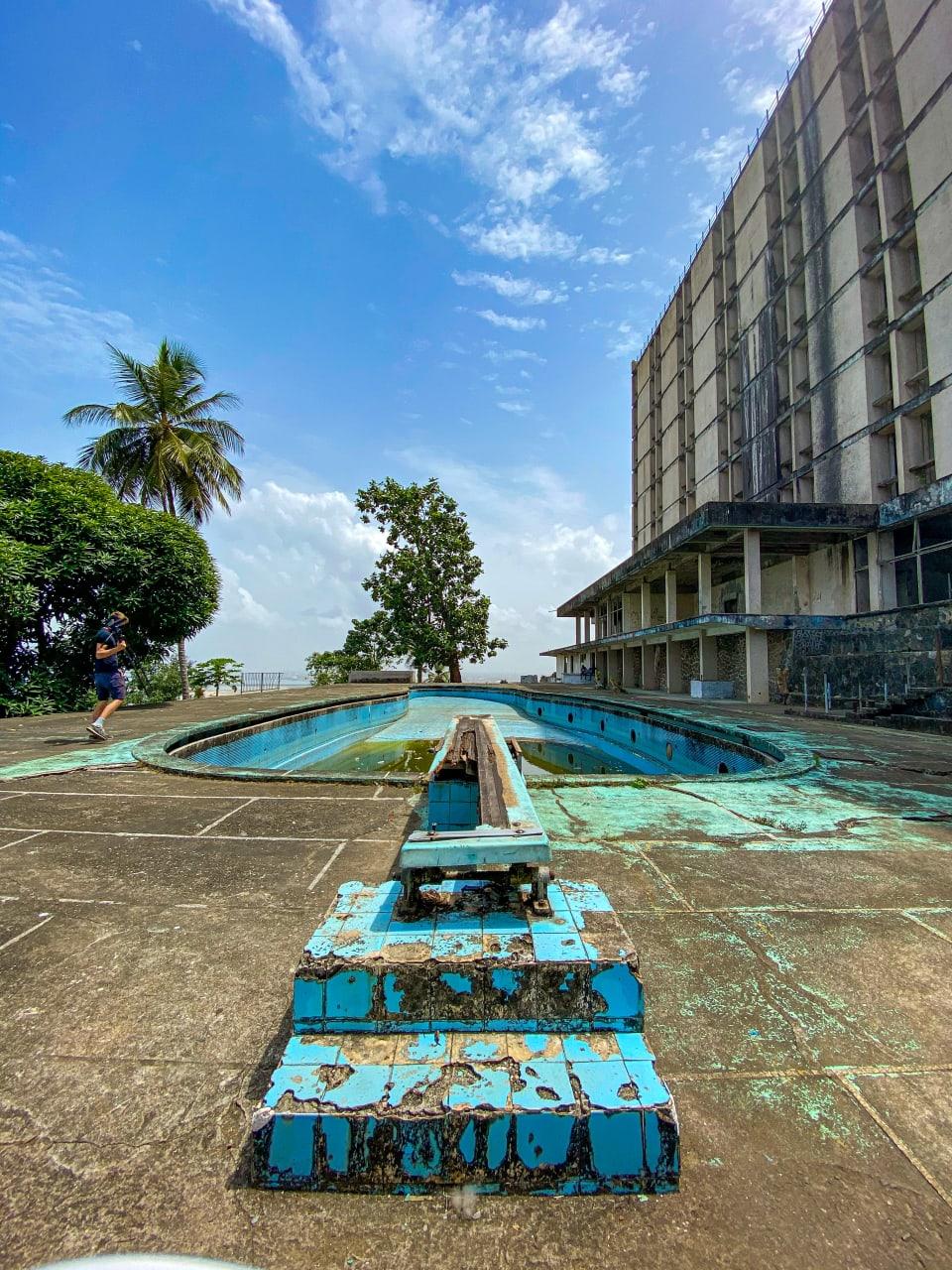 Monrovia - Monrovia: the Ducor Hotel