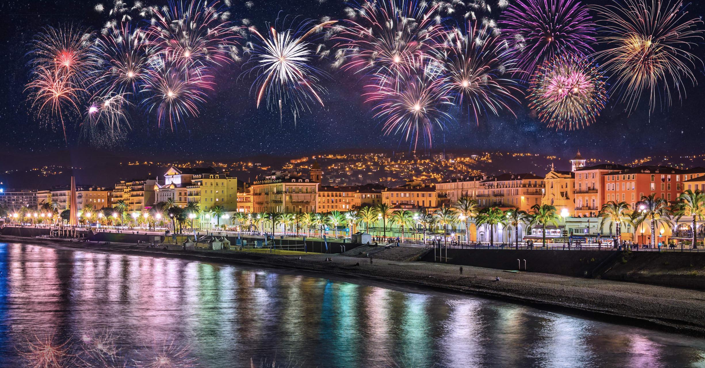 French Riviera - Beaulieu explodes, Summer Fireworks!