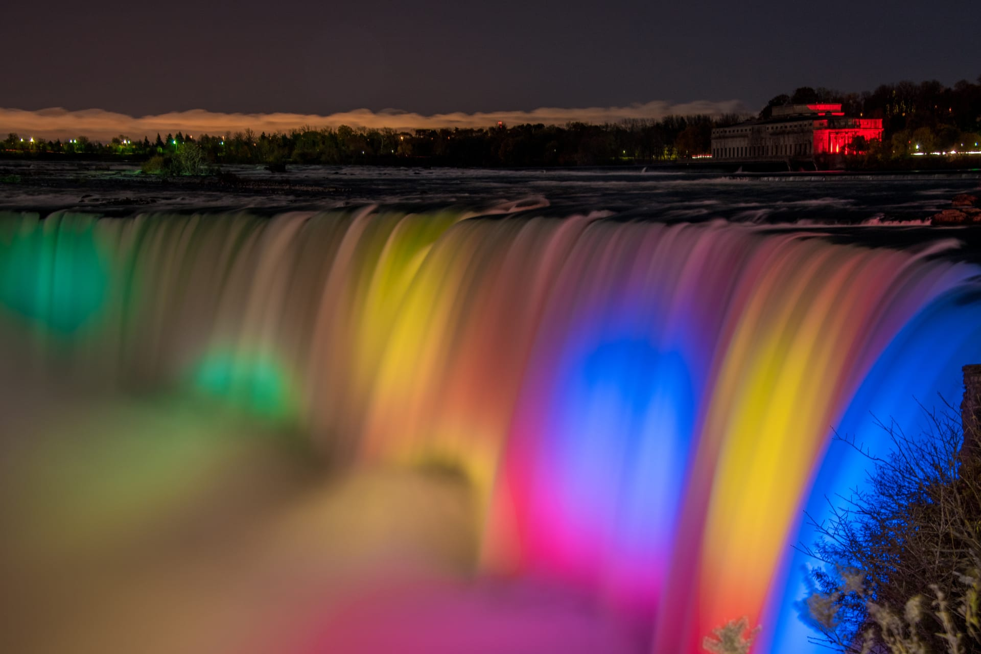 Niagara Falls - Niagara Falls by Night:  Dressed to Impress!