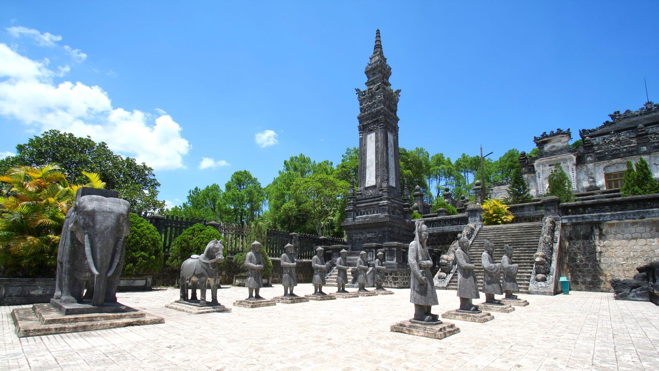 Hue - Discovering Huế - Final Day: Lavish Tomb of A Fallen Kingdom