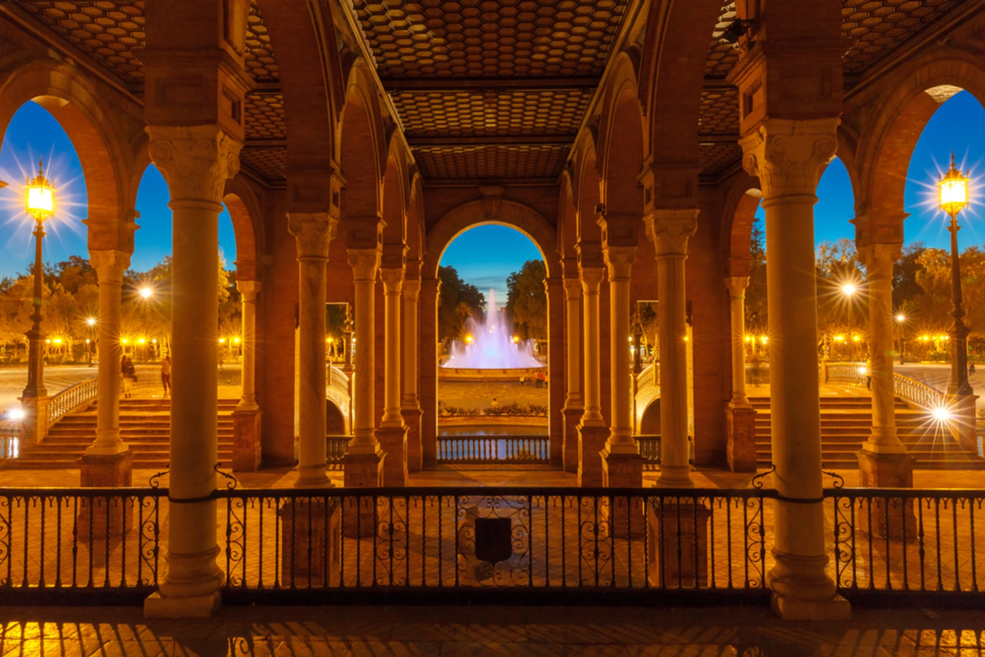 Seville - Sevilla at night, the tour you must see! Part 2