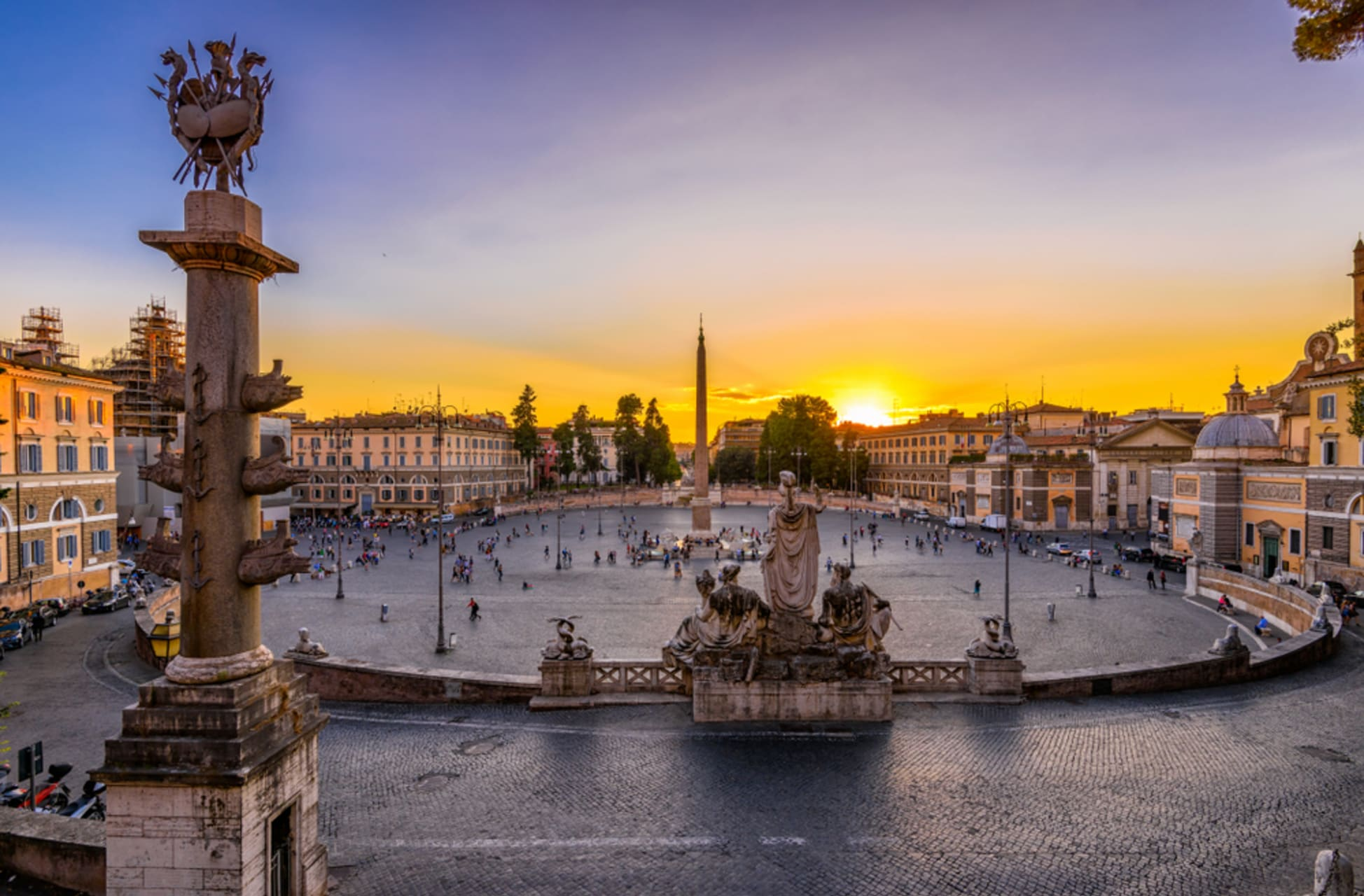"""Rome - Eternal beauty: Piazza del Popolo to the """"talking"""" Baboon fountain"""