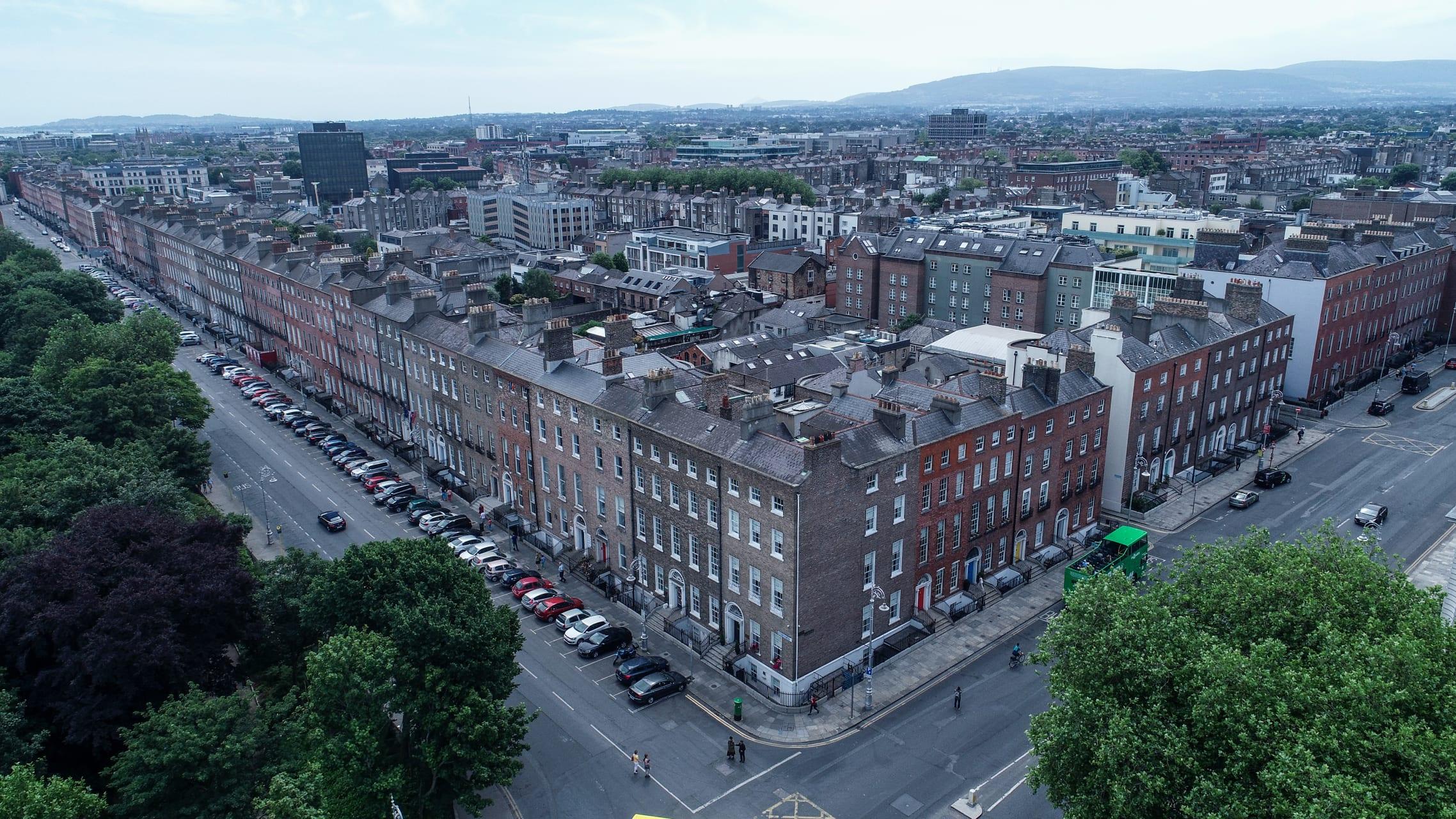 Dublin - Merrion Square  - Featuring Georgian Dublin and Oscar Wilde