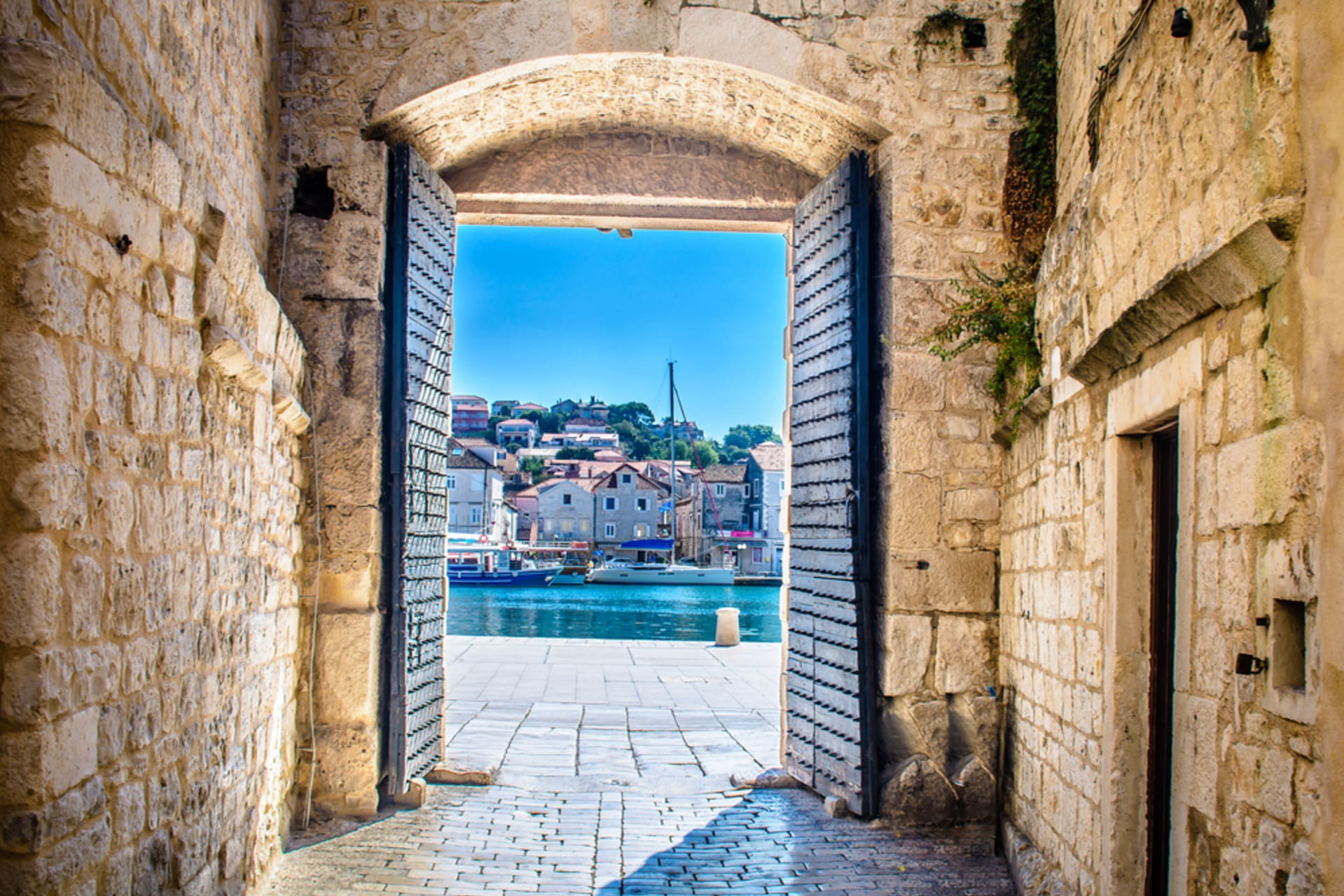 Trogir - Trogir – UNESCO protected Romanesque-Gothic old town