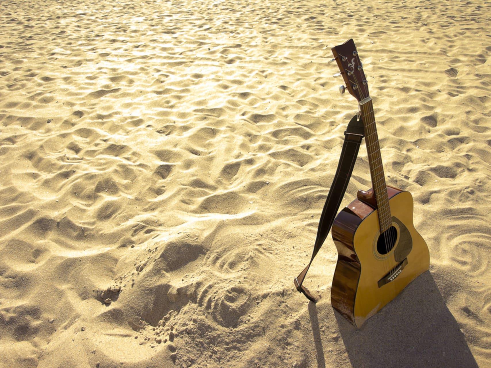 Bermuda - Music with Tony
