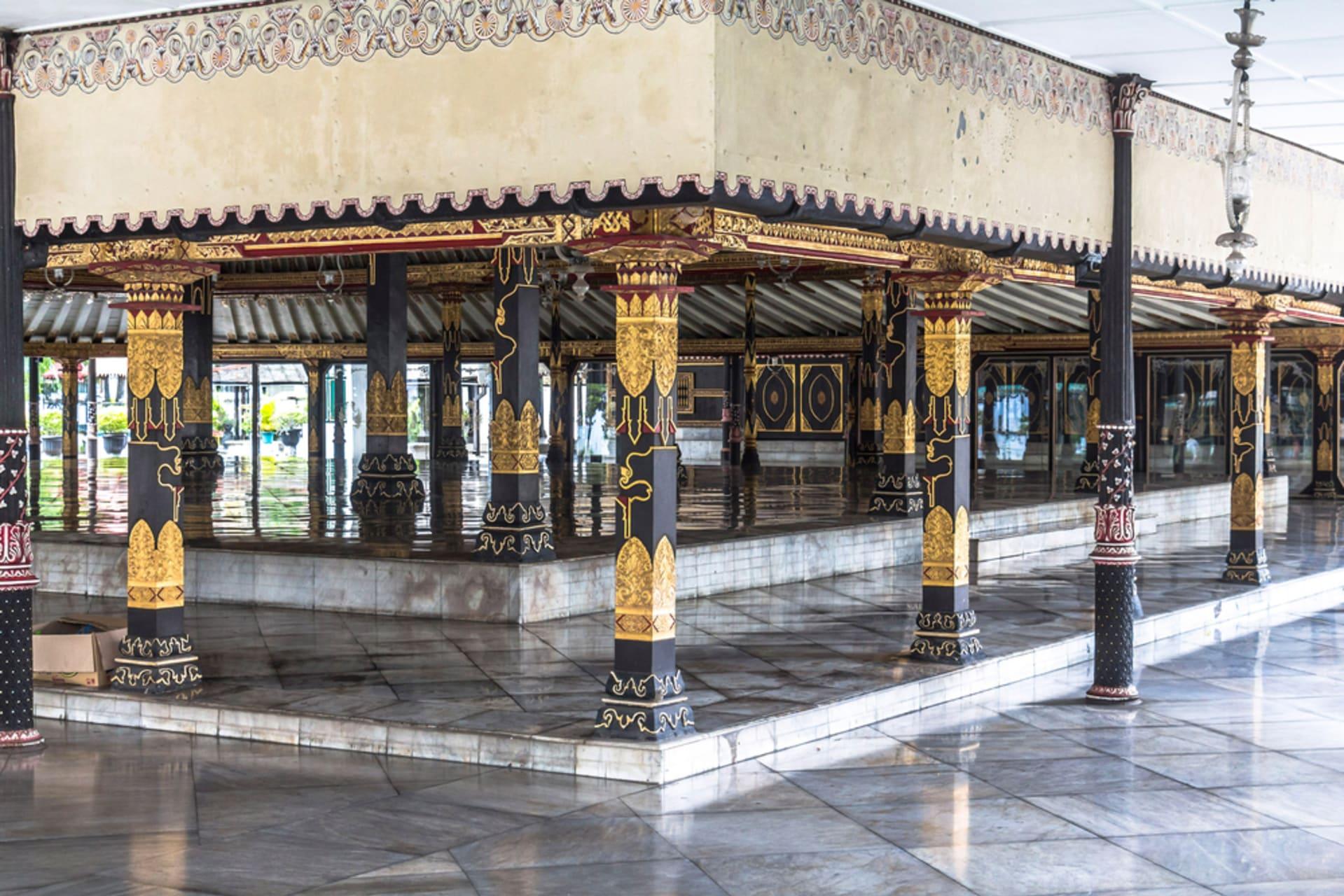 Yogyakarta - Sultan's Palace: a Modest Royal Residence
