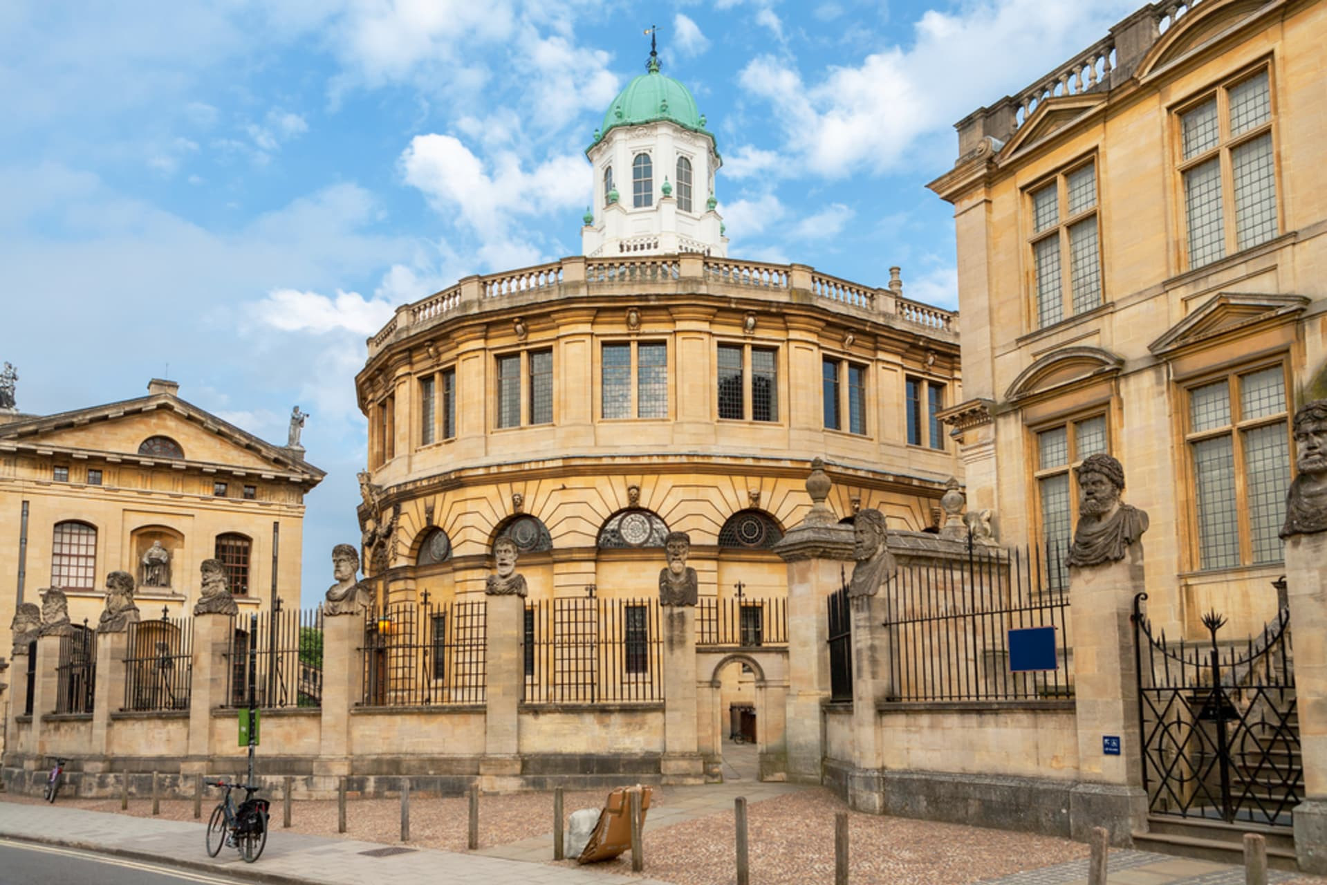 Oxford - Oxford - The Ancient Seat of Learning