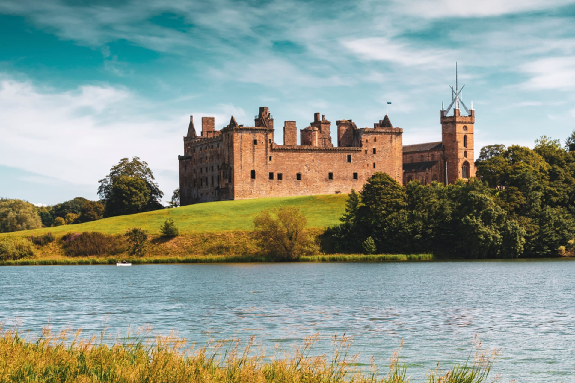 Central Scotland - Linlithgow Palace: The Birthplace of Mary Queen of Scots