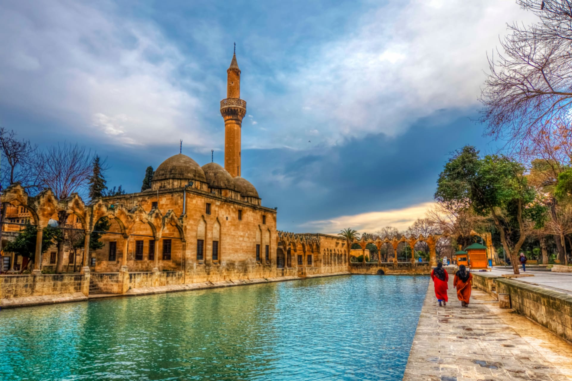 Urfa - Foot paths of prophet Abraham and the Miracle of the Fish Lake
