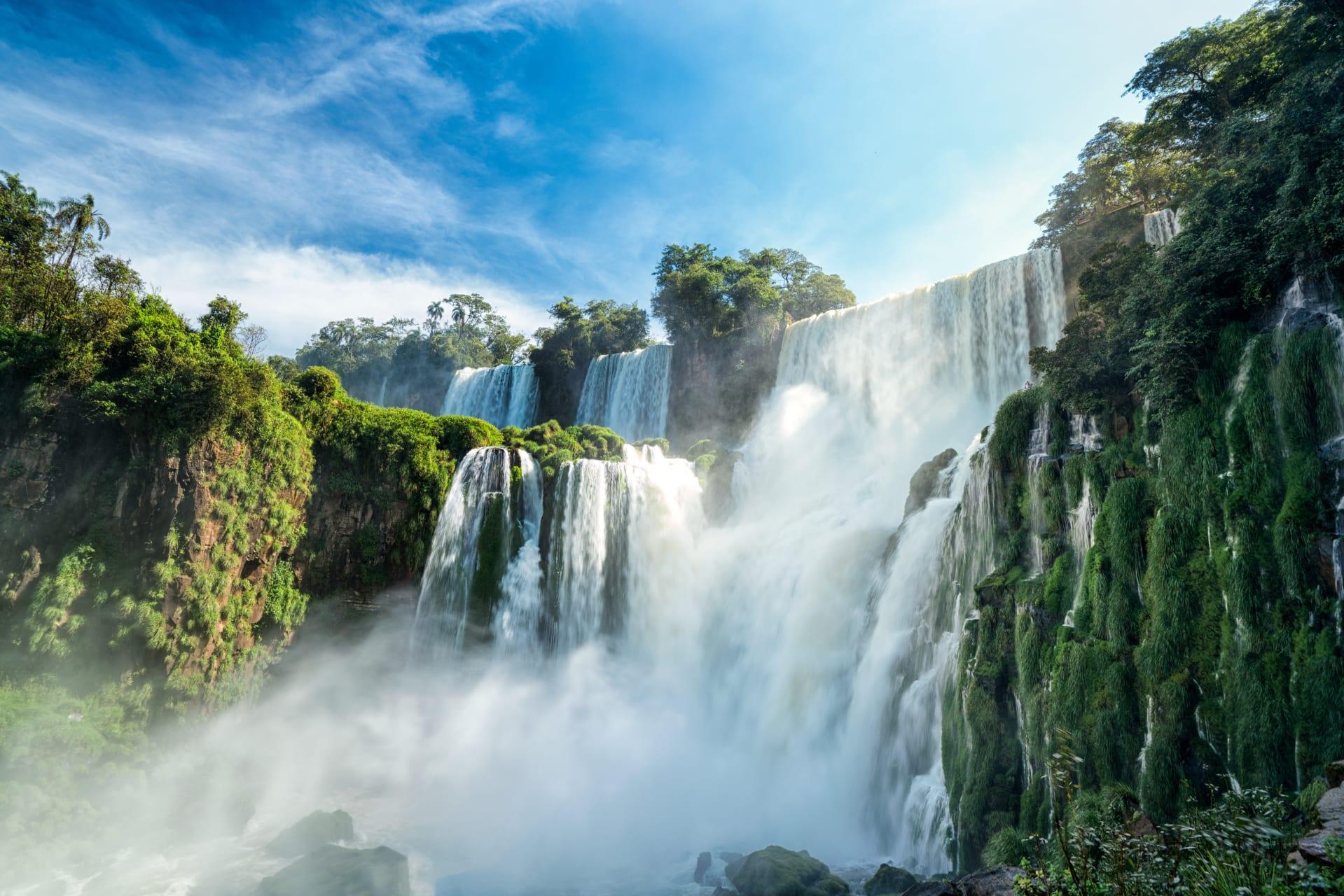 Iguazu Falls - Iguazu Falls: A Wonder of the Natural World
