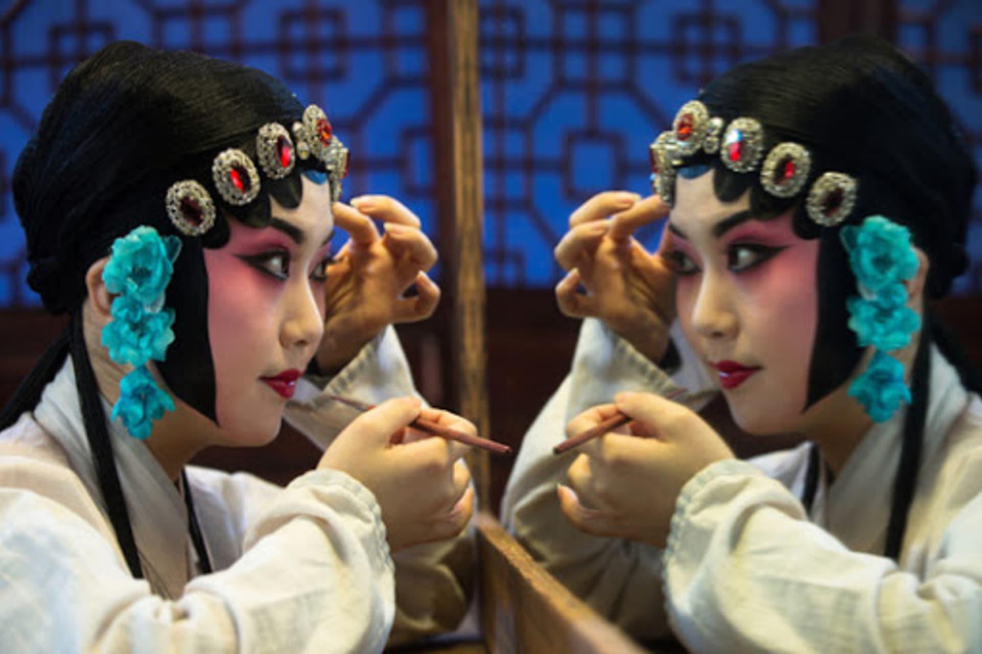 Chengdu - Culture Center of Chengdu: Backstage visit at Sichuan Opera House